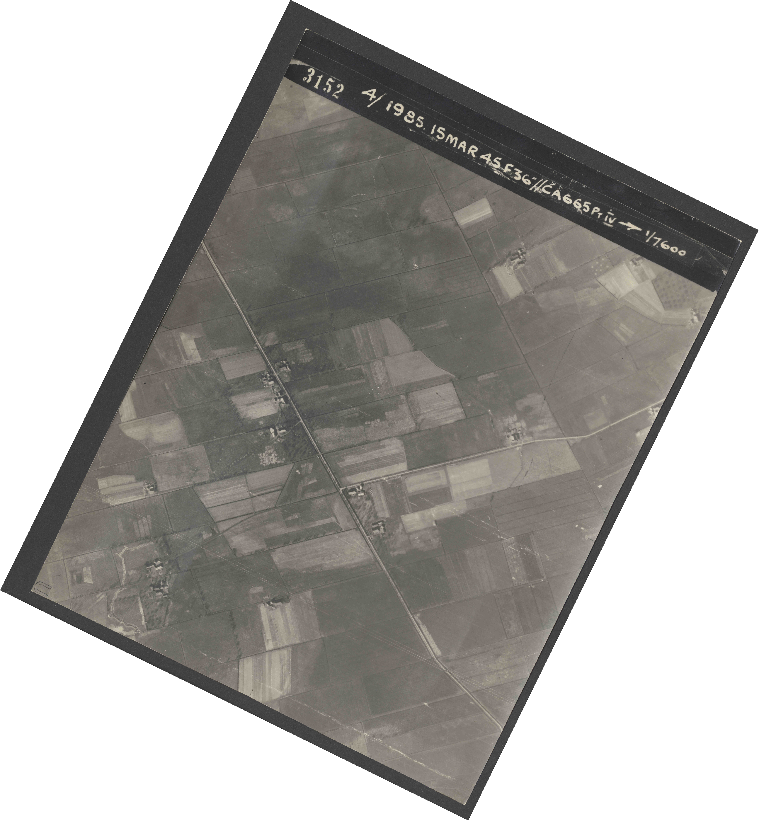 Collection RAF aerial photos 1940-1945 - flight 059, run 04, photo 3152