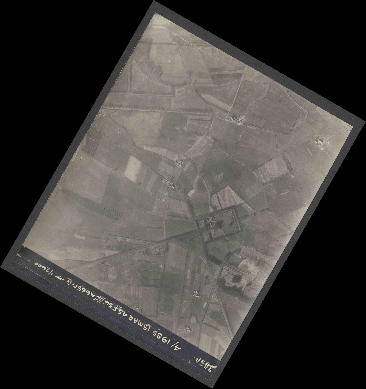 Collection RAF aerial photos 1940-1945 - flight 059, run 05, photo 3050