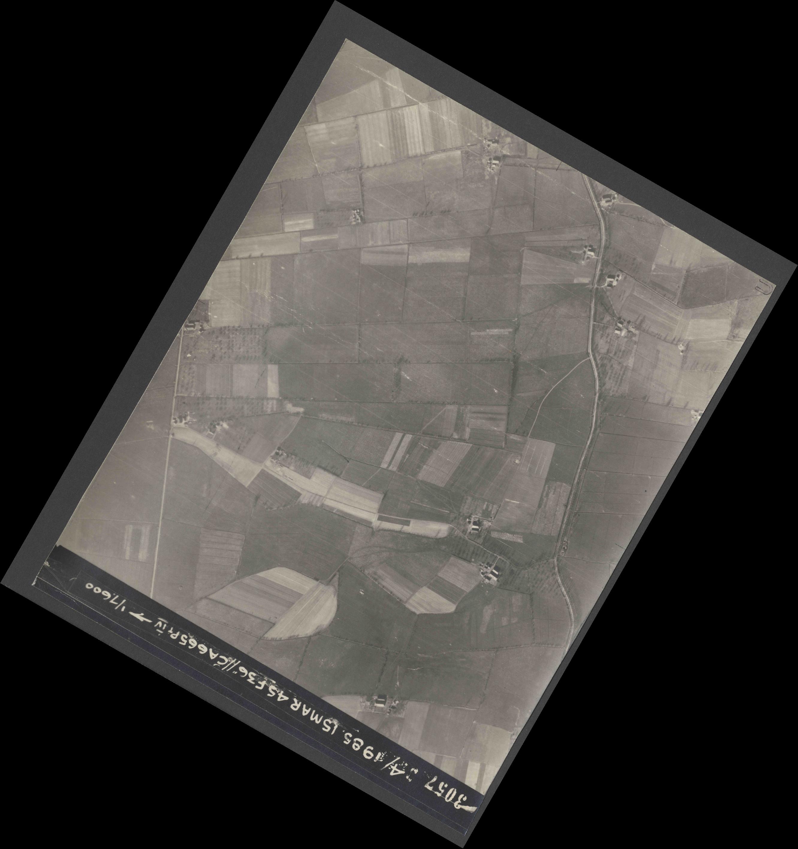 Collection RAF aerial photos 1940-1945 - flight 059, run 05, photo 3057