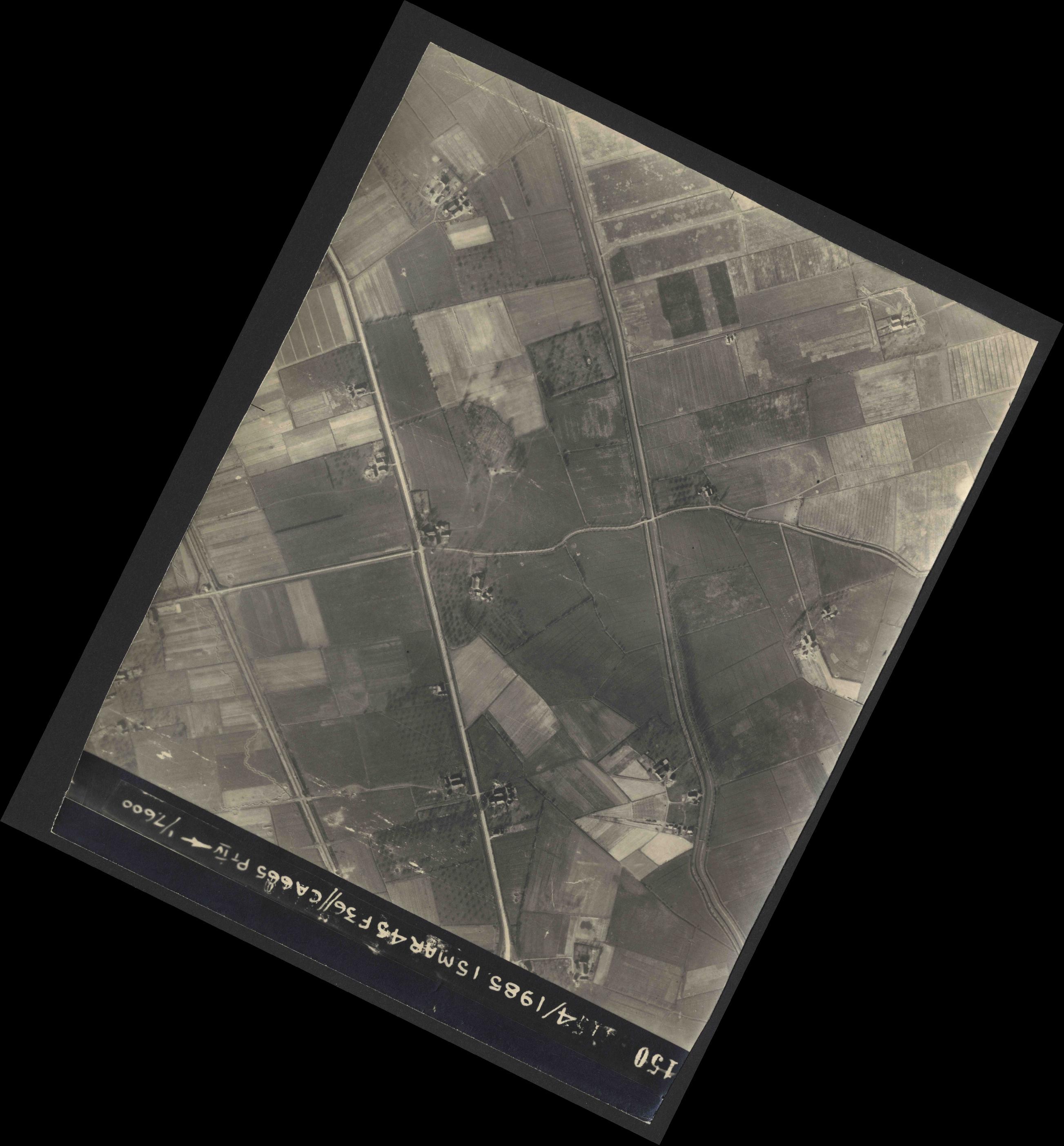 Collection RAF aerial photos 1940-1945 - flight 059, run 06, photo 4150