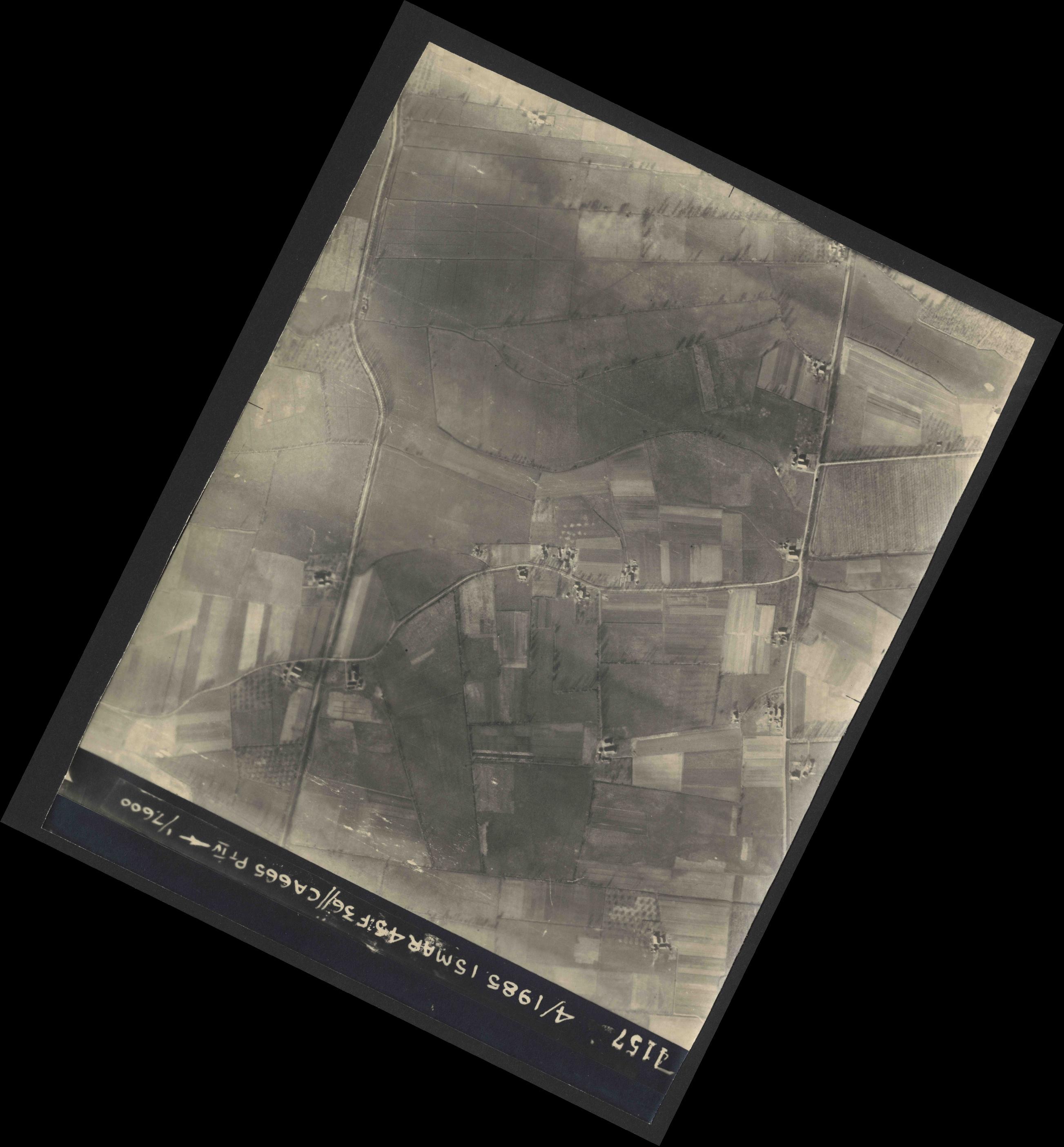 Collection RAF aerial photos 1940-1945 - flight 059, run 06, photo 4157