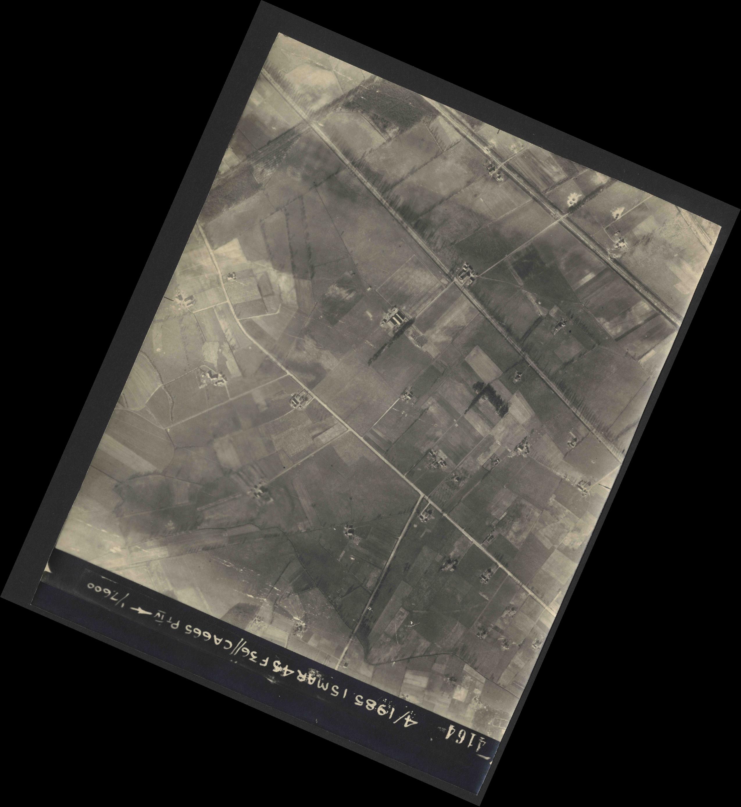 Collection RAF aerial photos 1940-1945 - flight 059, run 06, photo 4164
