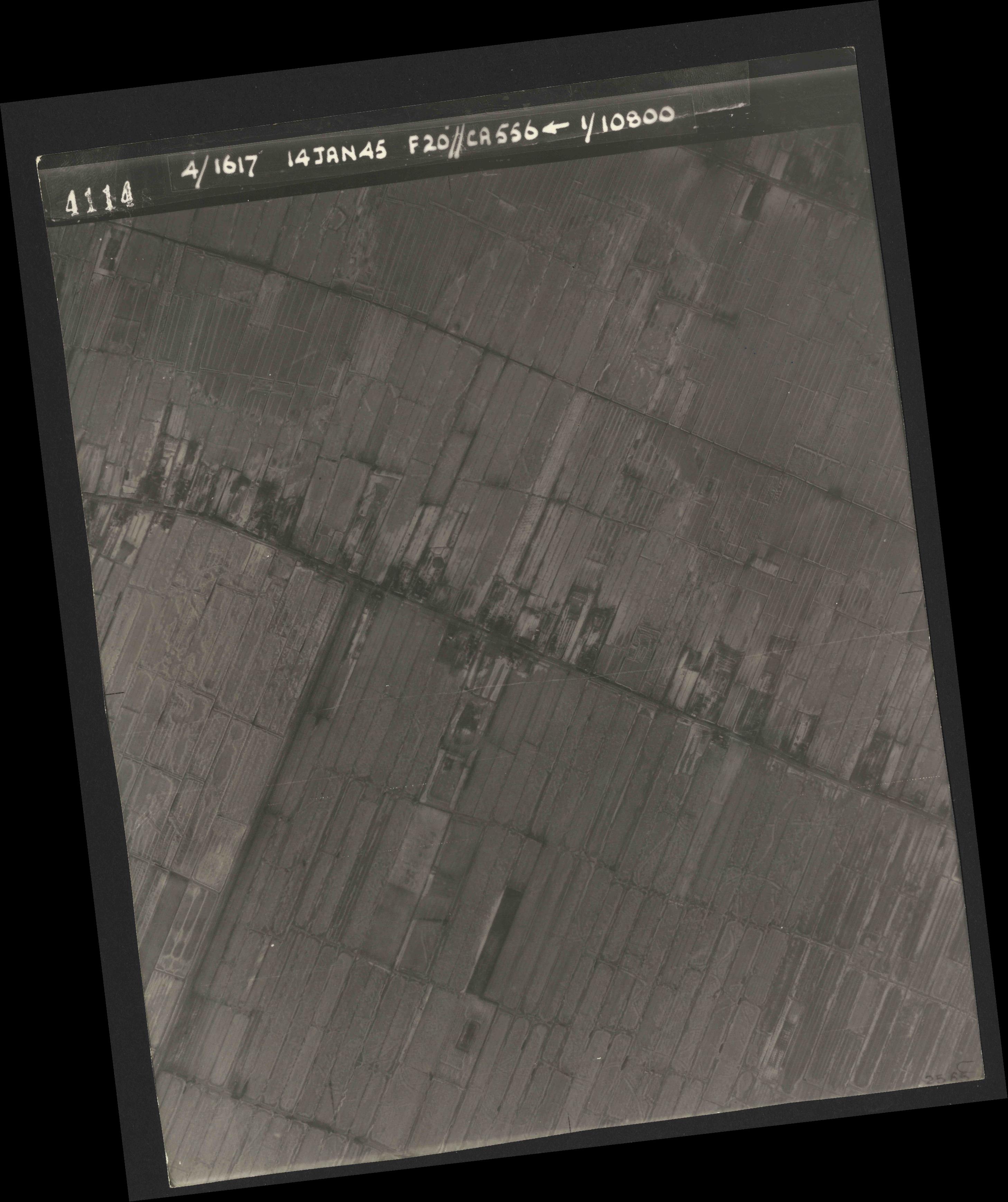 Collection RAF aerial photos 1940-1945 - flight 060, run 02, photo 4114