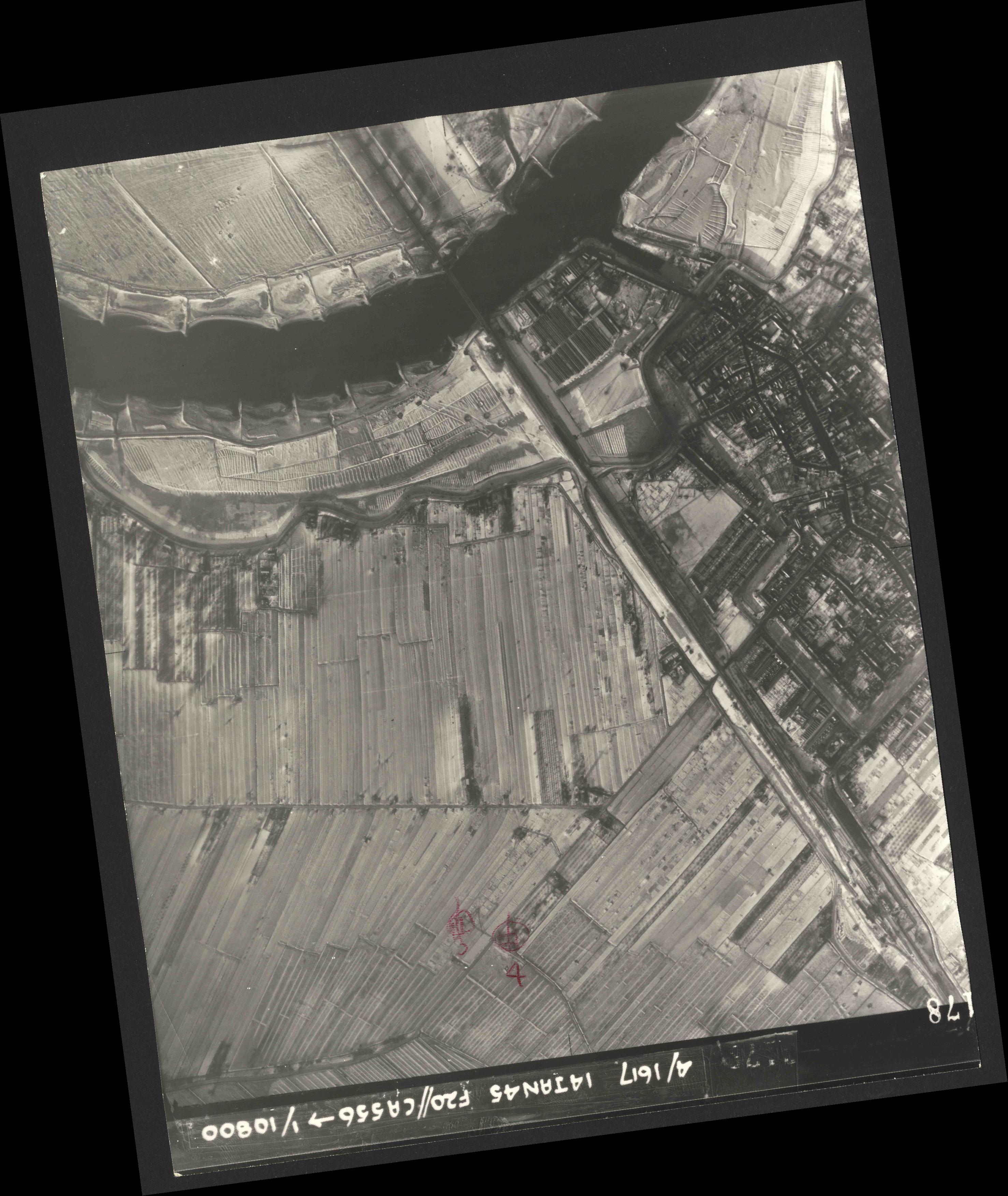 Collection RAF aerial photos 1940-1945 - flight 060, run 03, photo 3178