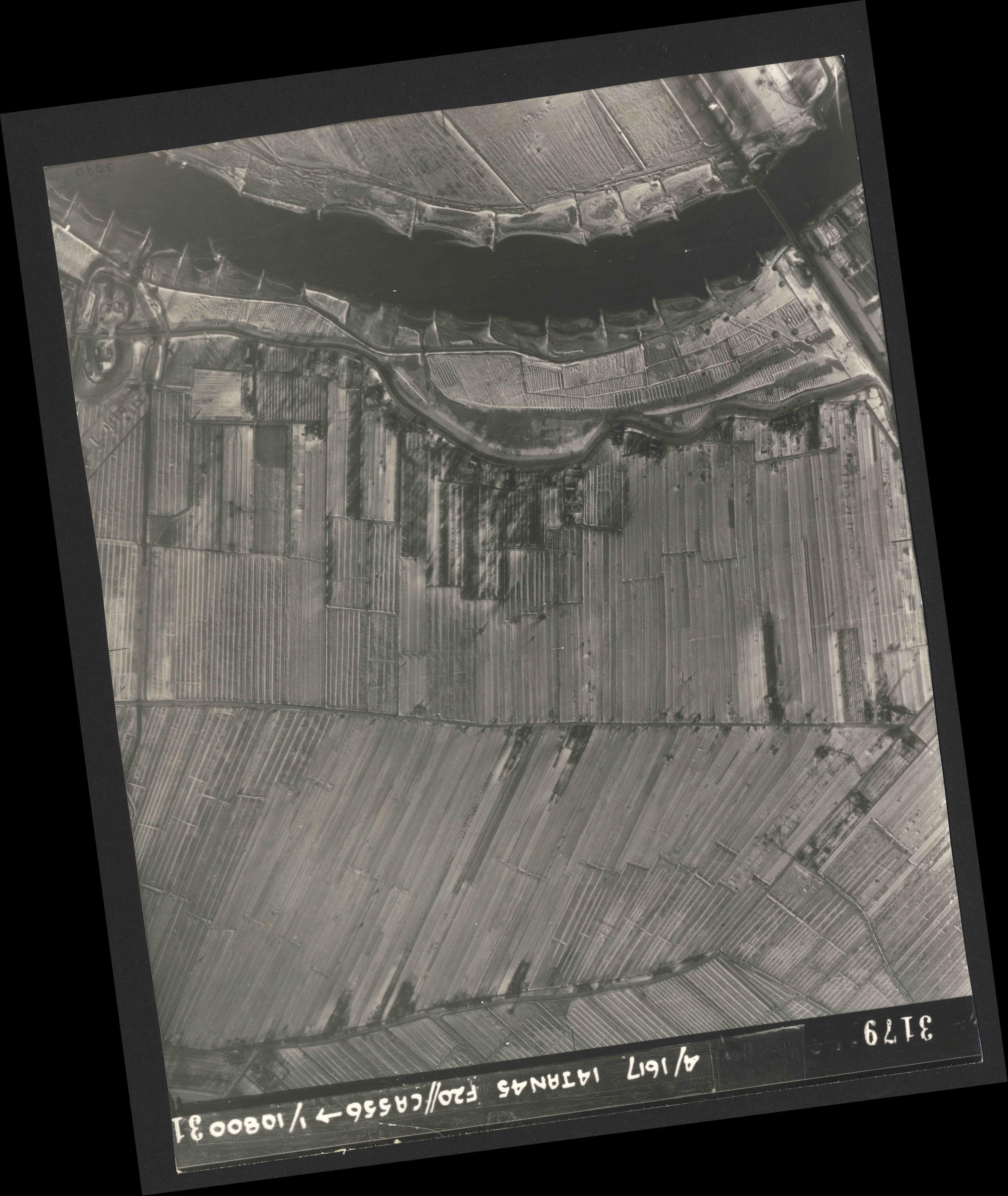 Collection RAF aerial photos 1940-1945 - flight 060, run 03, photo 3179