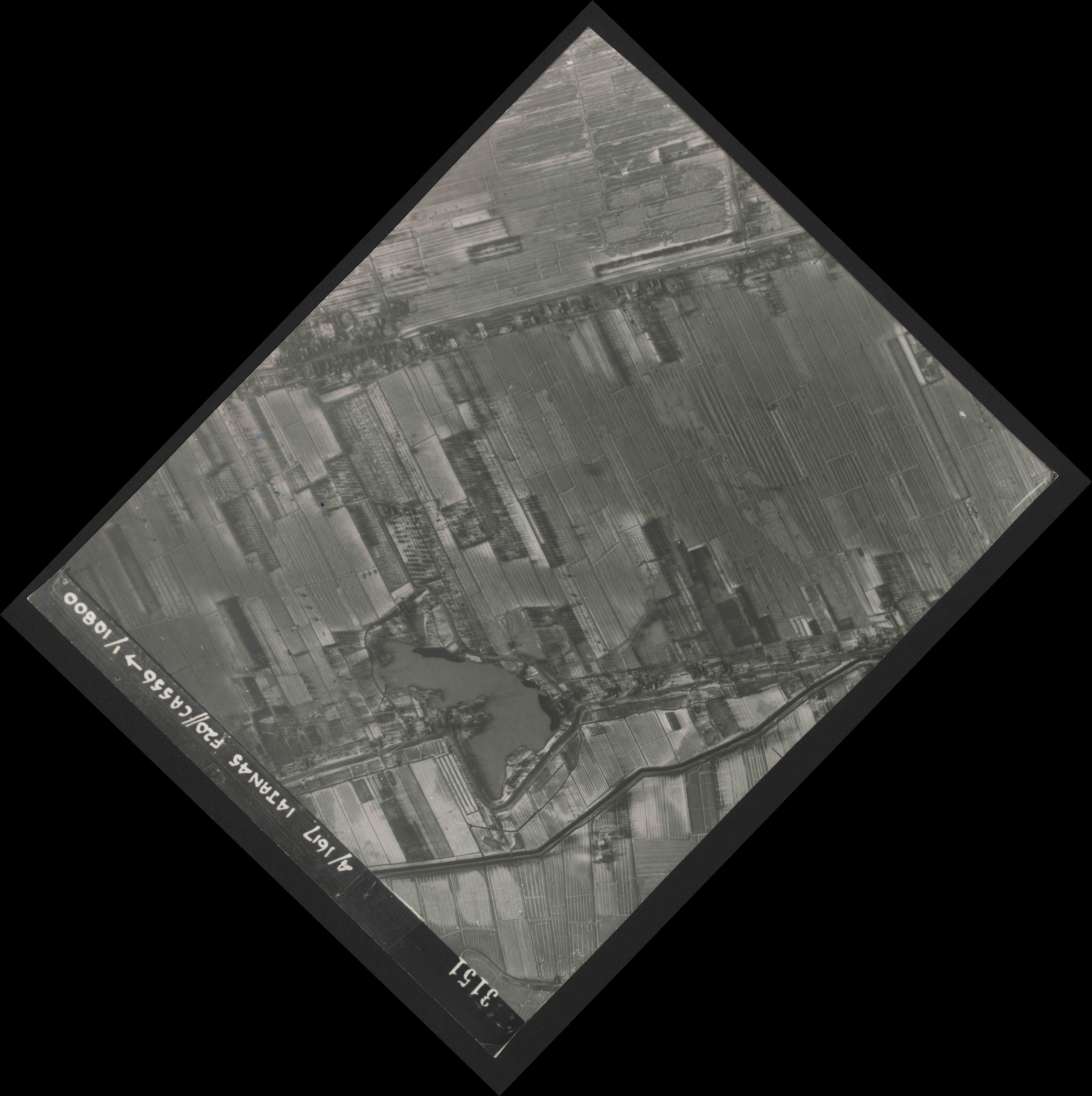 Collection RAF aerial photos 1940-1945 - flight 060, run 04, photo 3151