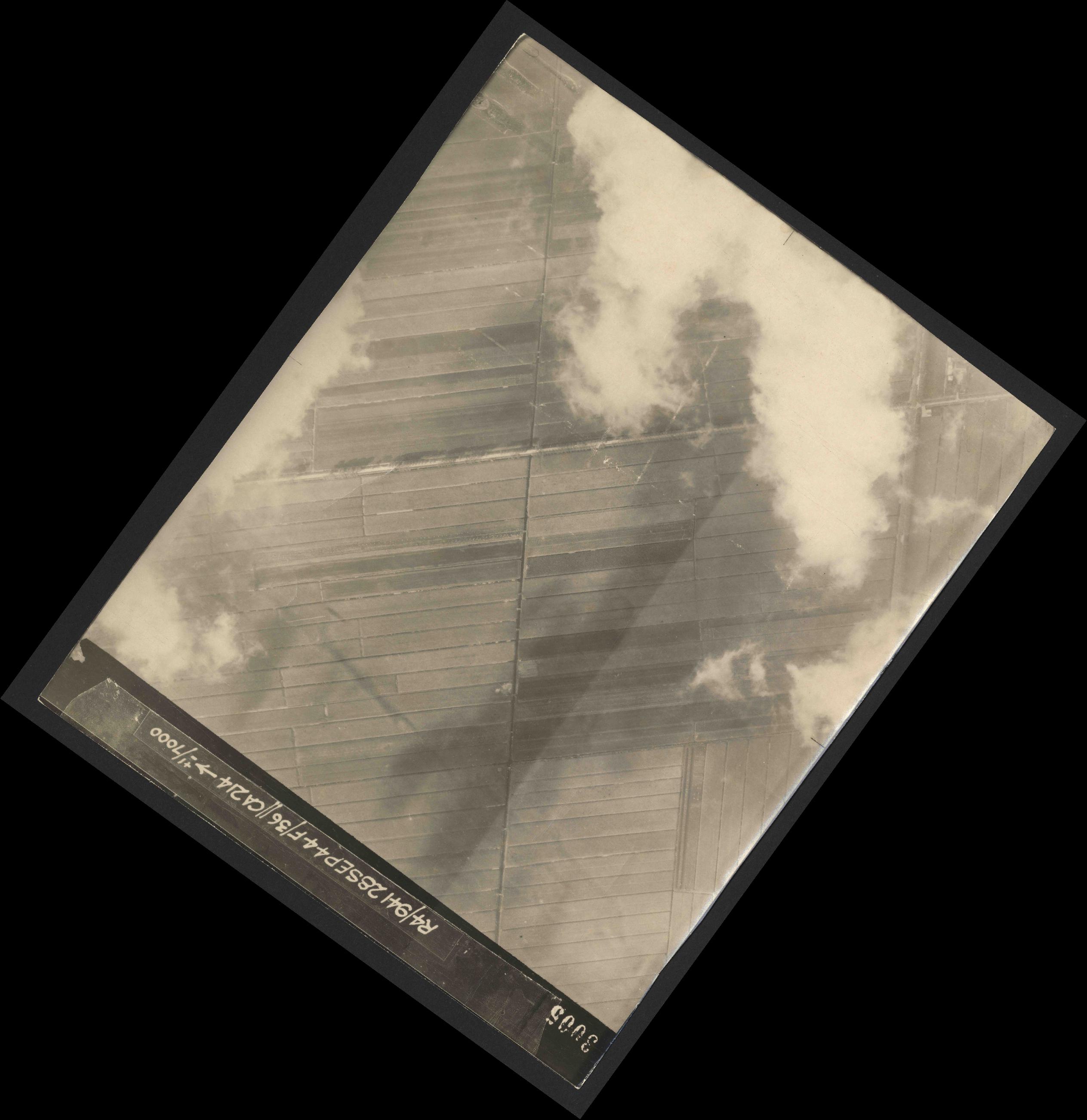 Collection RAF aerial photos 1940-1945 - flight 067, run 02, photo 3005
