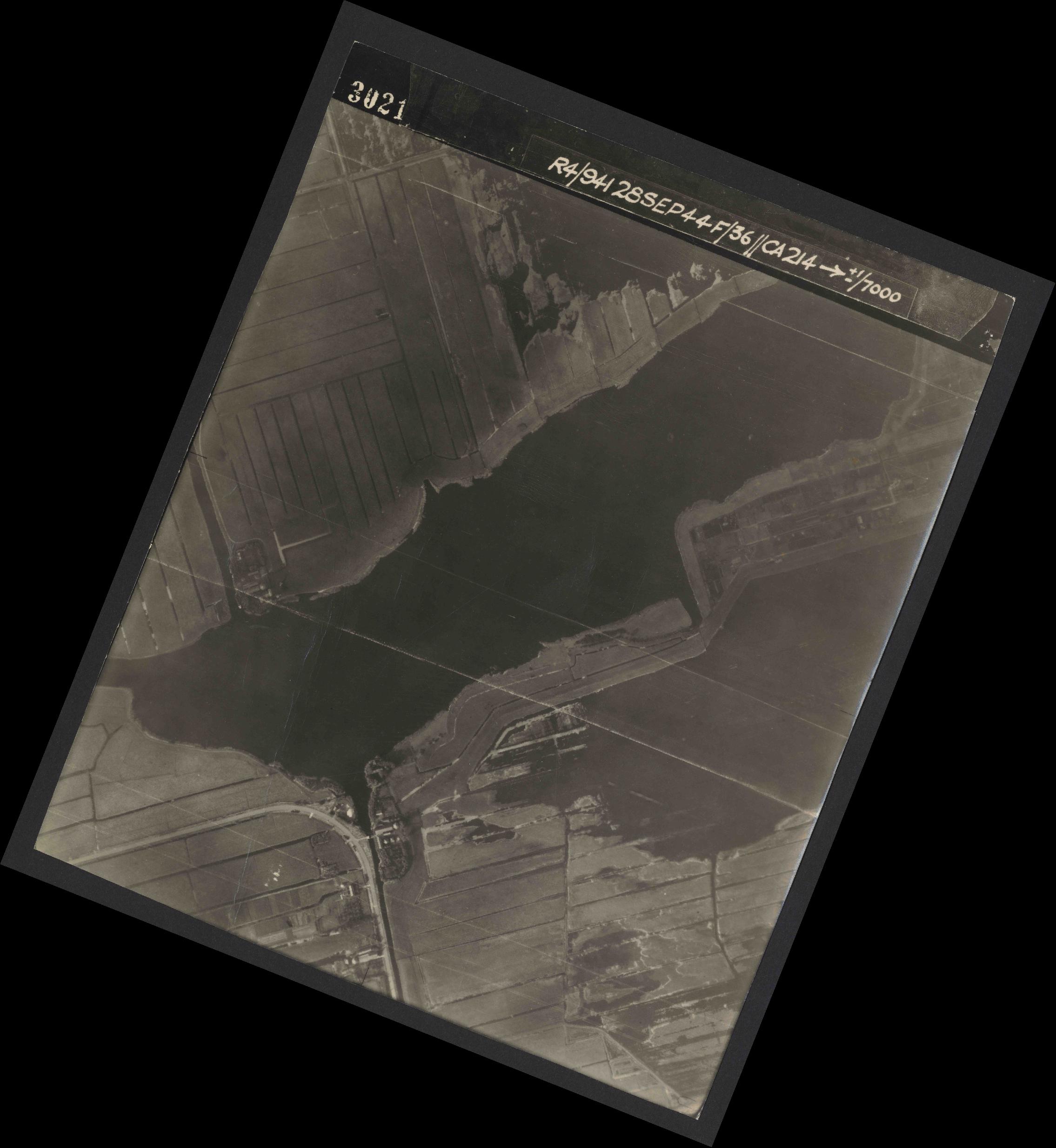 Collection RAF aerial photos 1940-1945 - flight 067, run 05, photo 3021