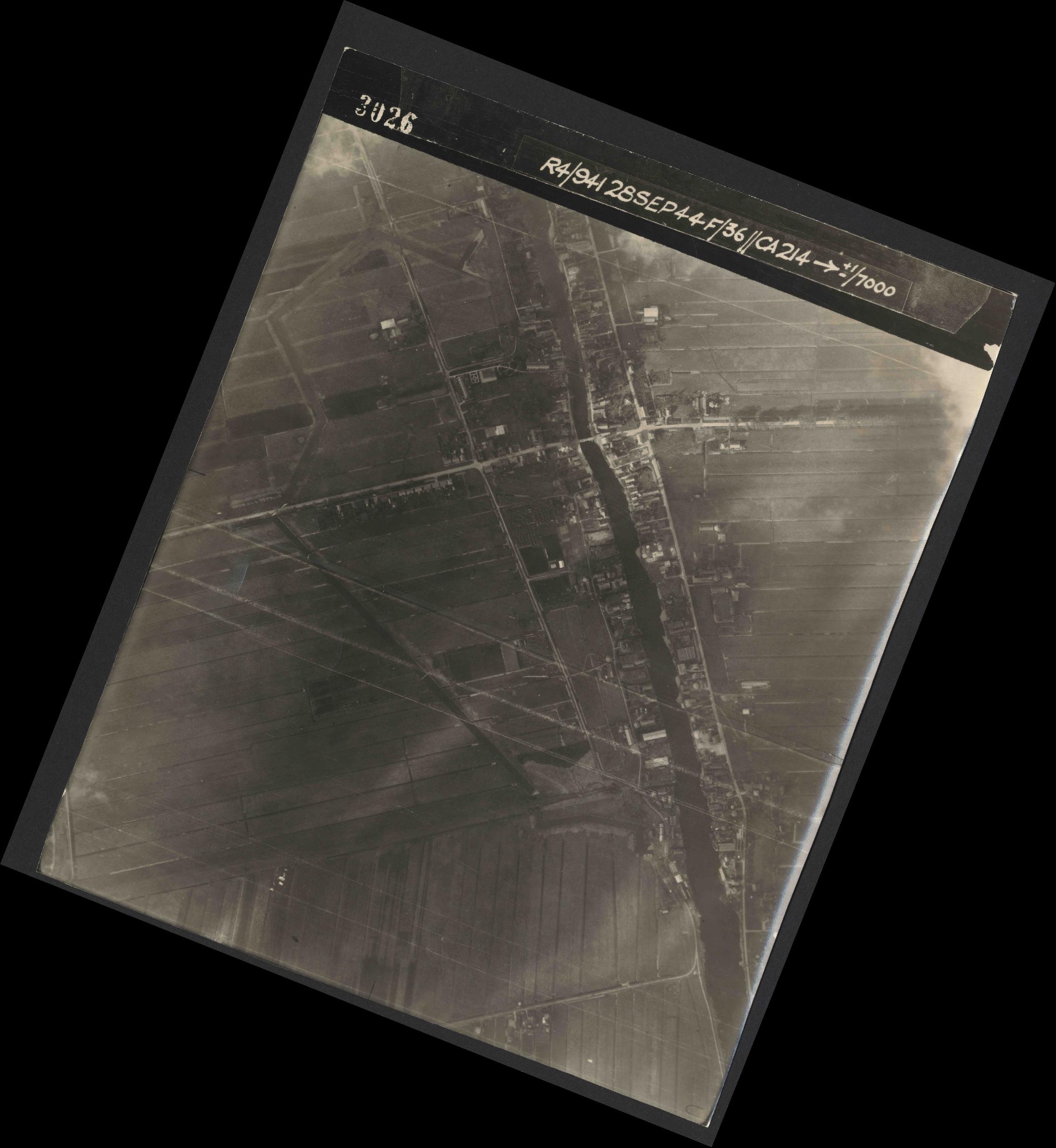 Collection RAF aerial photos 1940-1945 - flight 067, run 05, photo 3026