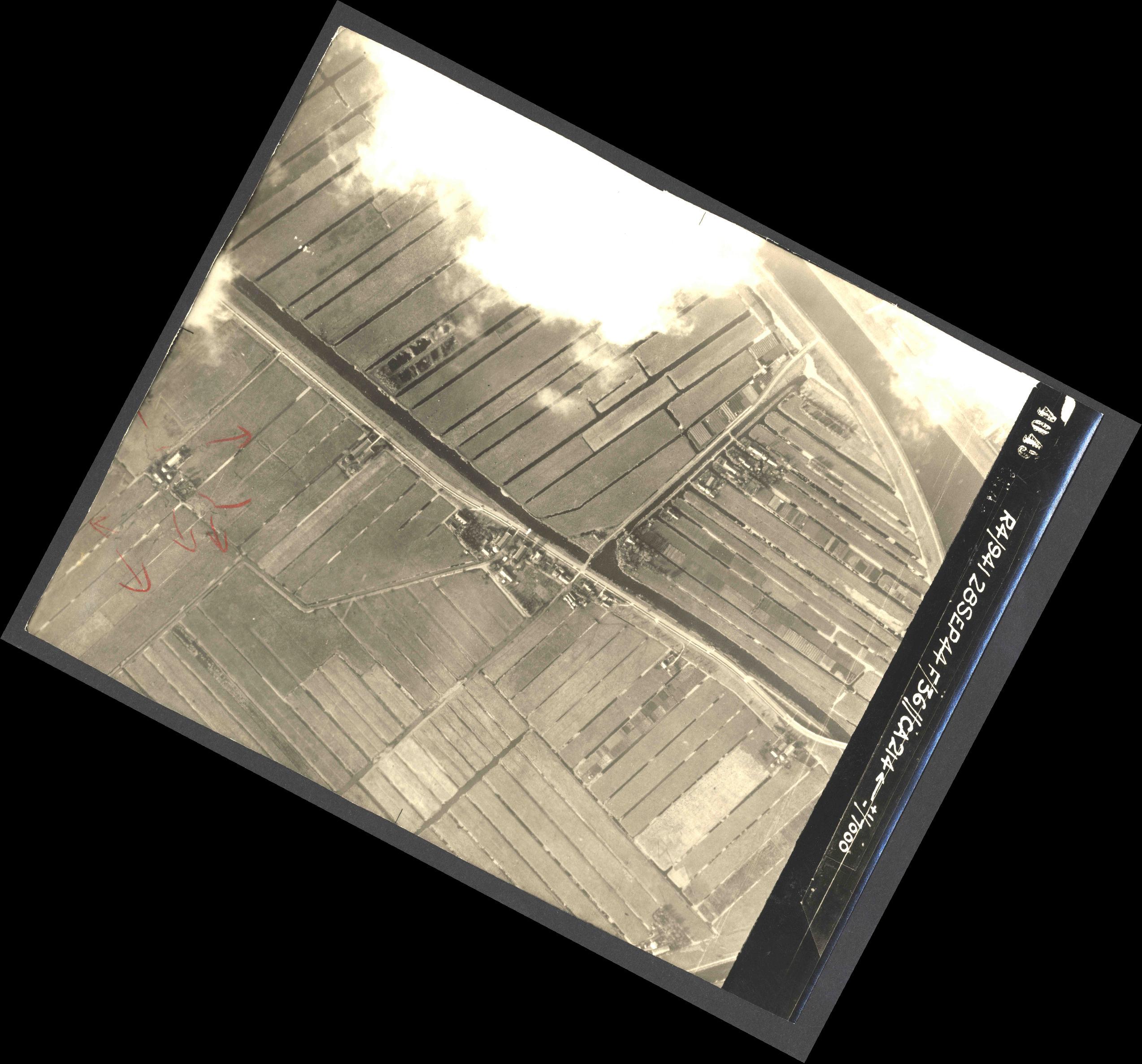 Collection RAF aerial photos 1940-1945 - flight 067, run 10, photo 4045