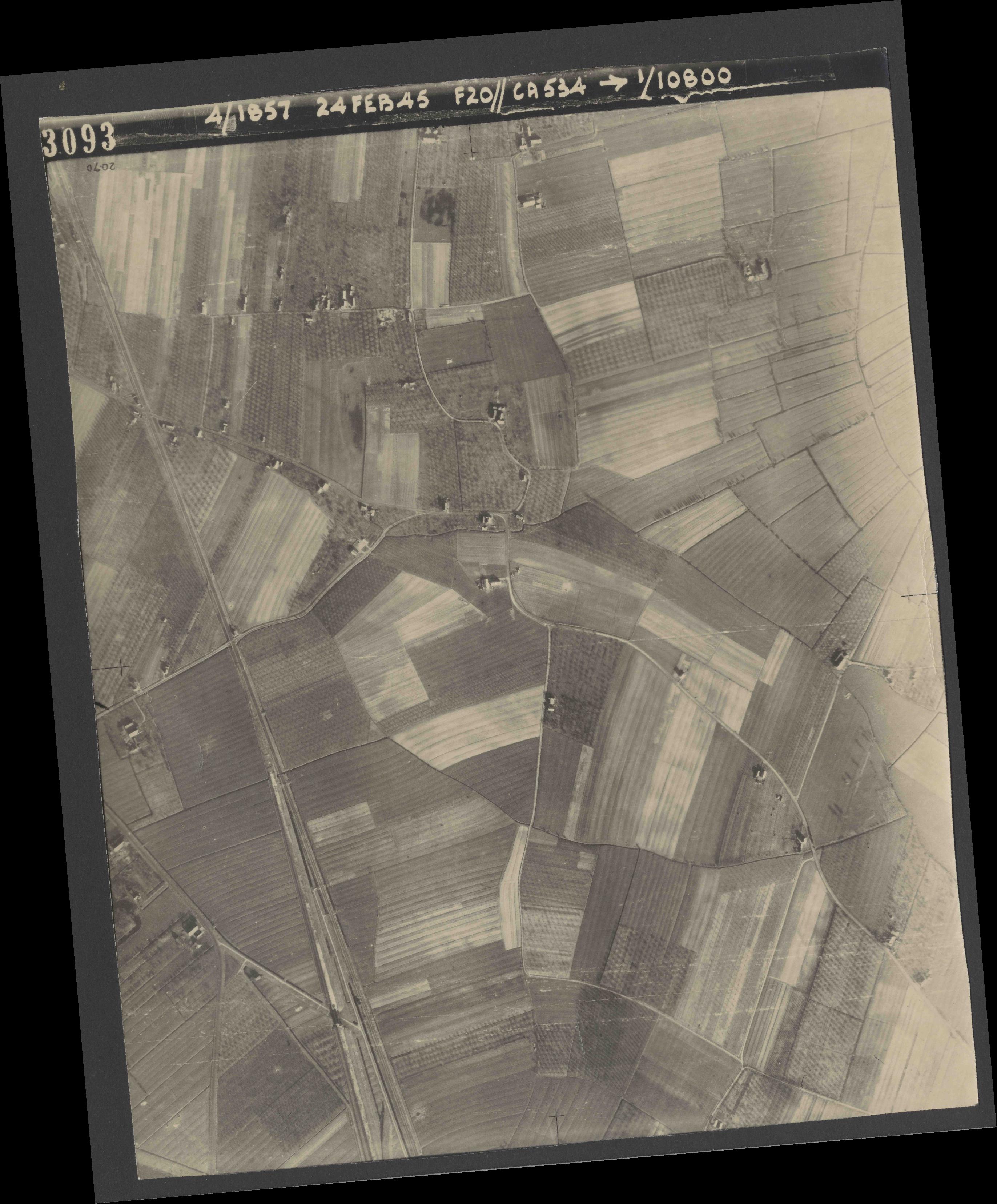 Collection RAF aerial photos 1940-1945 - flight 073, run 02, photo 3093