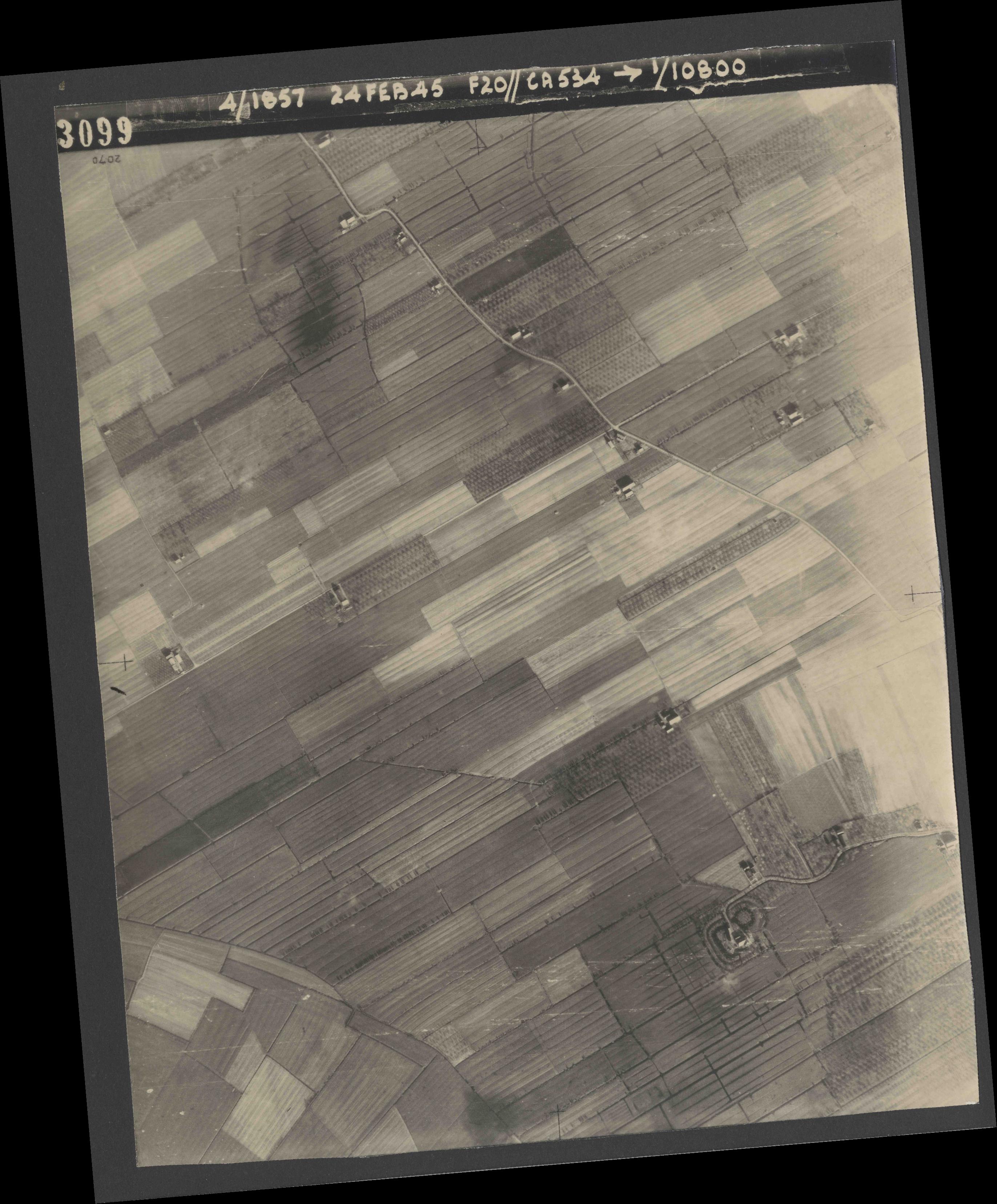 Collection RAF aerial photos 1940-1945 - flight 073, run 02, photo 3099