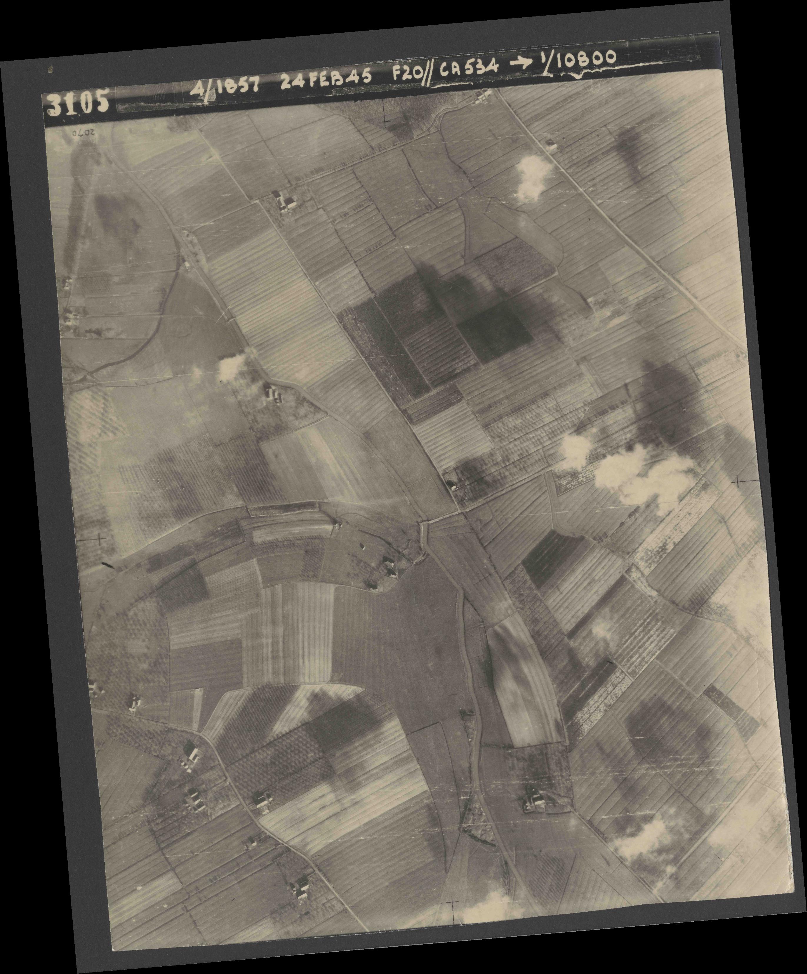 Collection RAF aerial photos 1940-1945 - flight 073, run 02, photo 3105