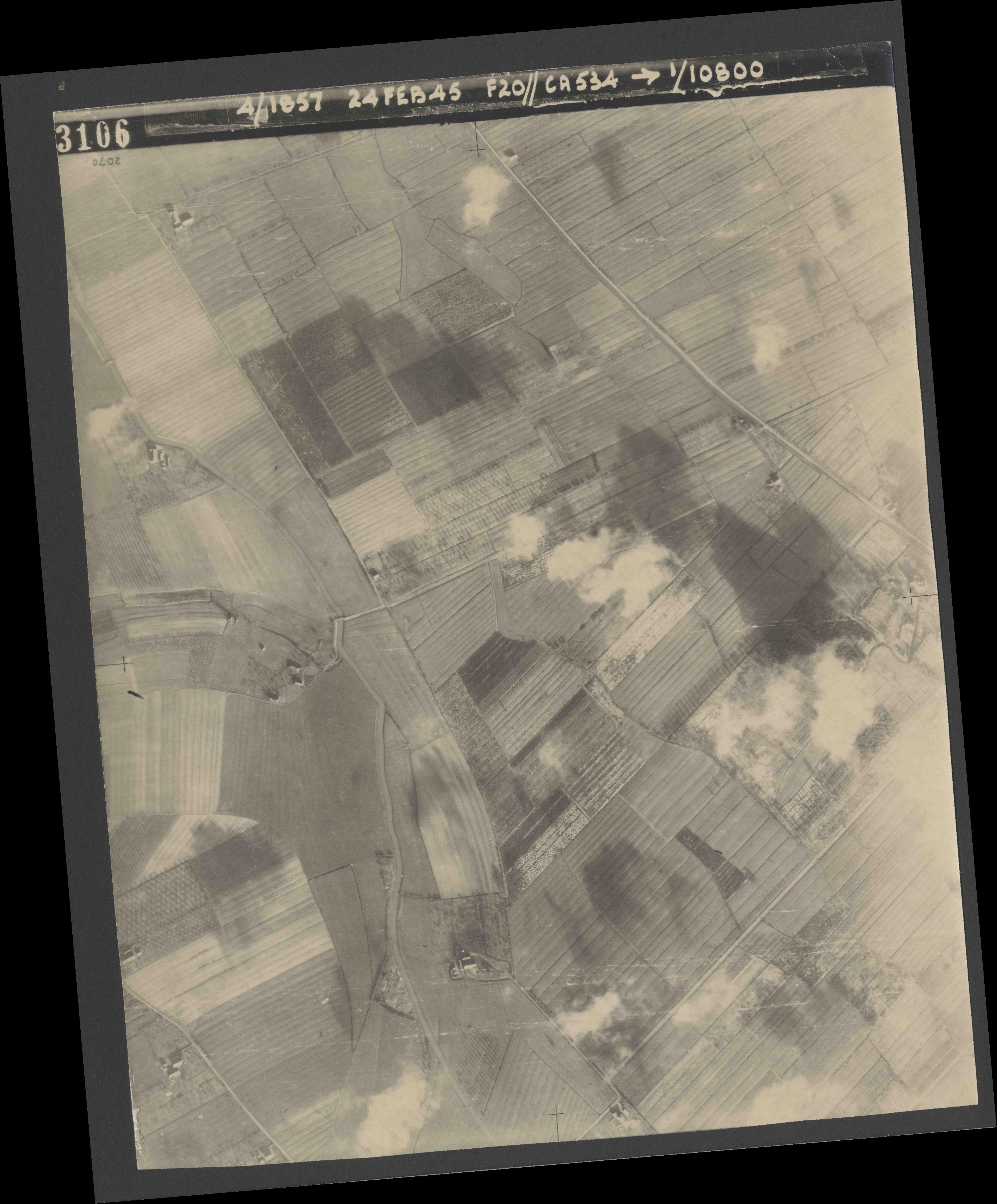 Collection RAF aerial photos 1940-1945 - flight 073, run 02, photo 3106