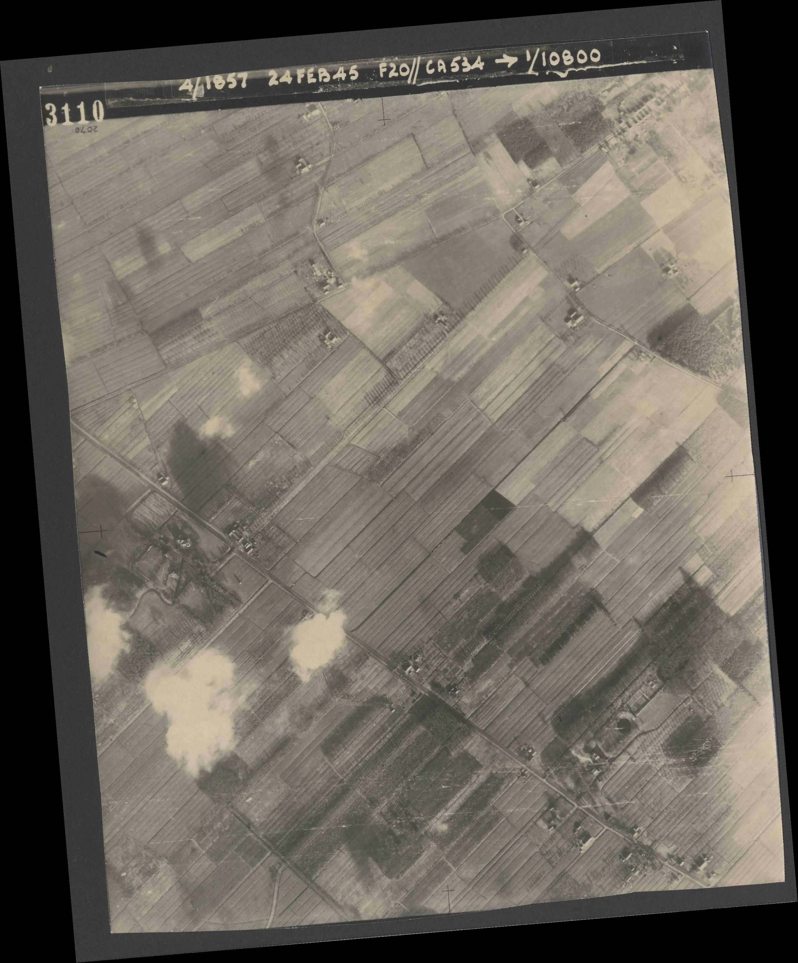 Collection RAF aerial photos 1940-1945 - flight 073, run 02, photo 3110