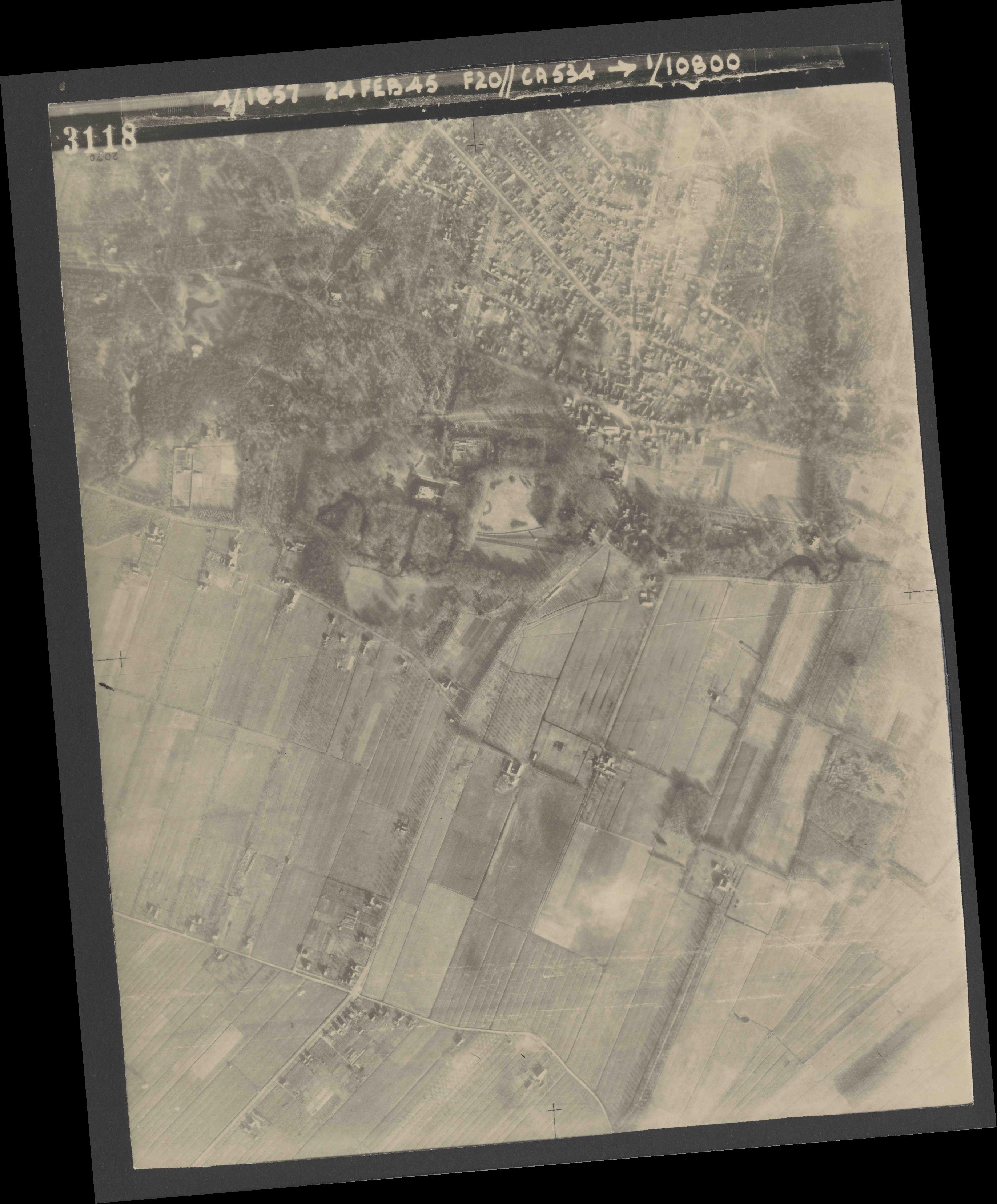 Collection RAF aerial photos 1940-1945 - flight 073, run 02, photo 3118