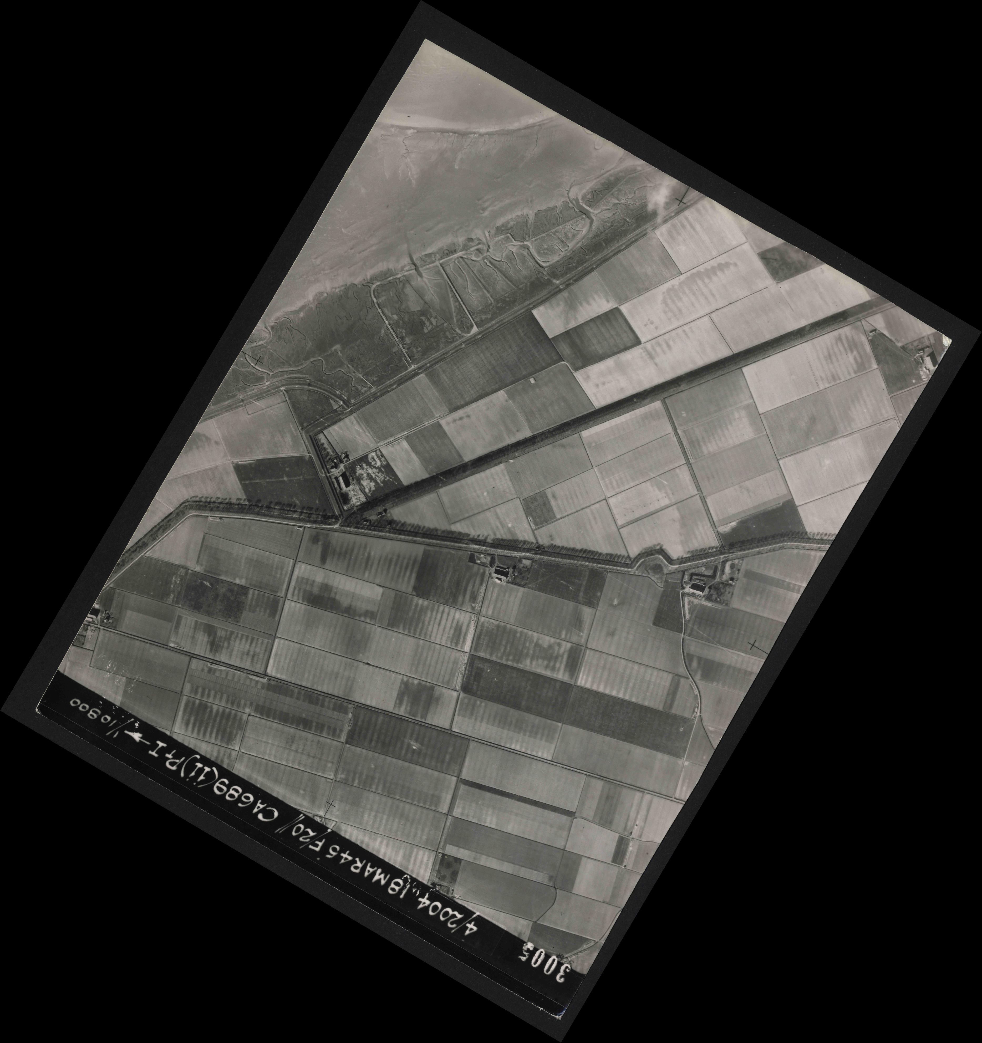 Collection RAF aerial photos 1940-1945 - flight 076, run 12, photo 3005