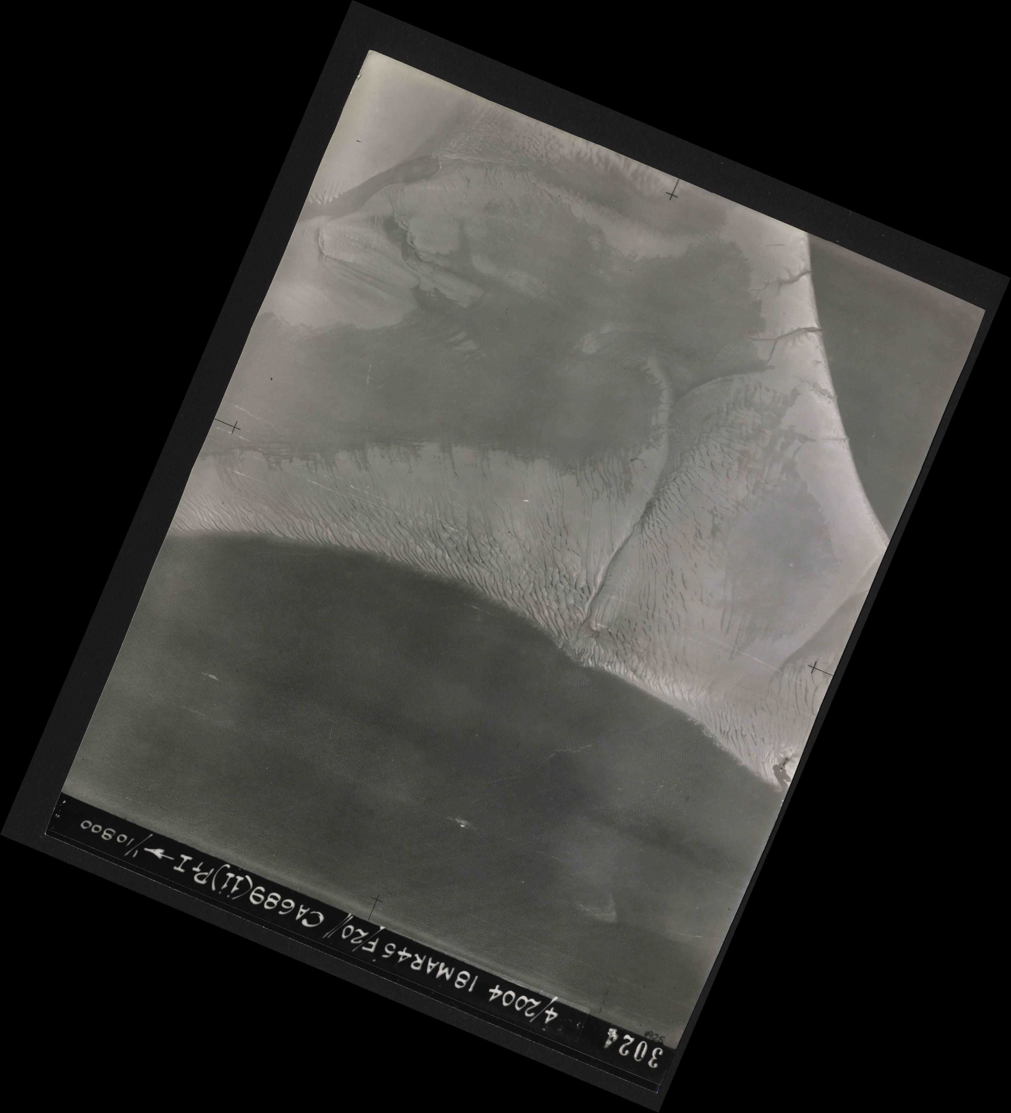 Collection RAF aerial photos 1940-1945 - flight 076, run 12, photo 3024