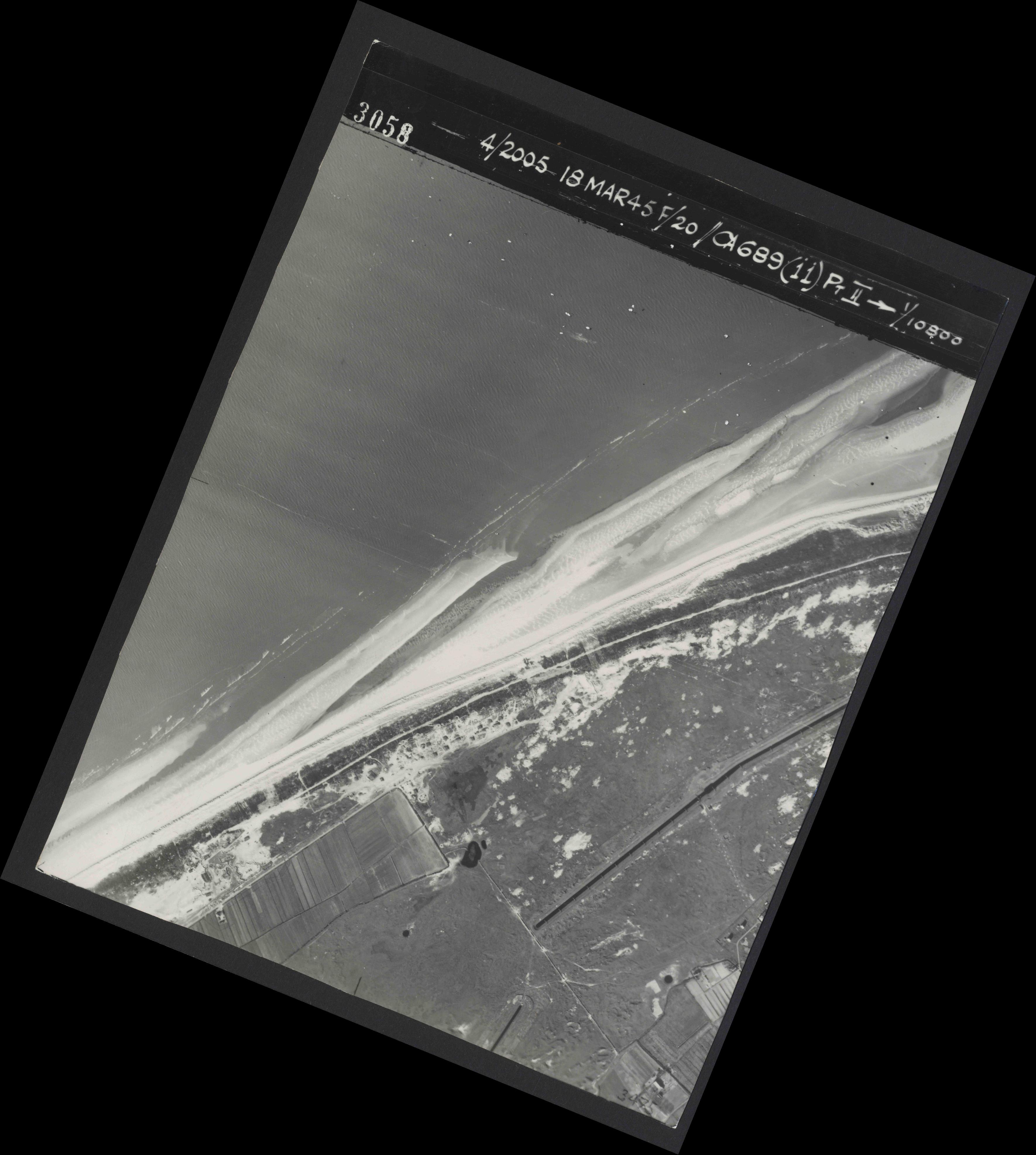 Collection RAF aerial photos 1940-1945 - flight 080, run 03, photo 3058