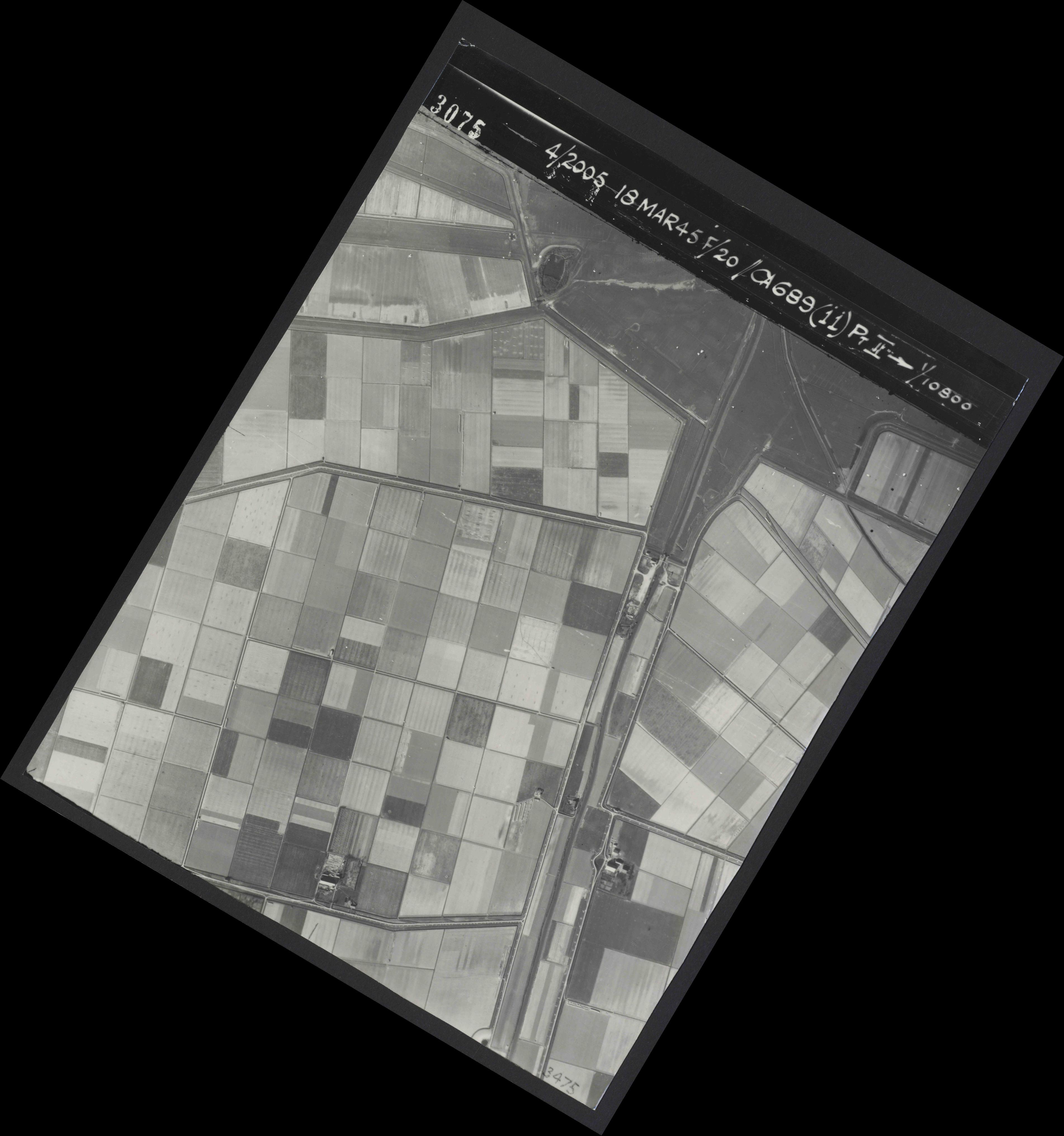 Collection RAF aerial photos 1940-1945 - flight 080, run 03, photo 3075