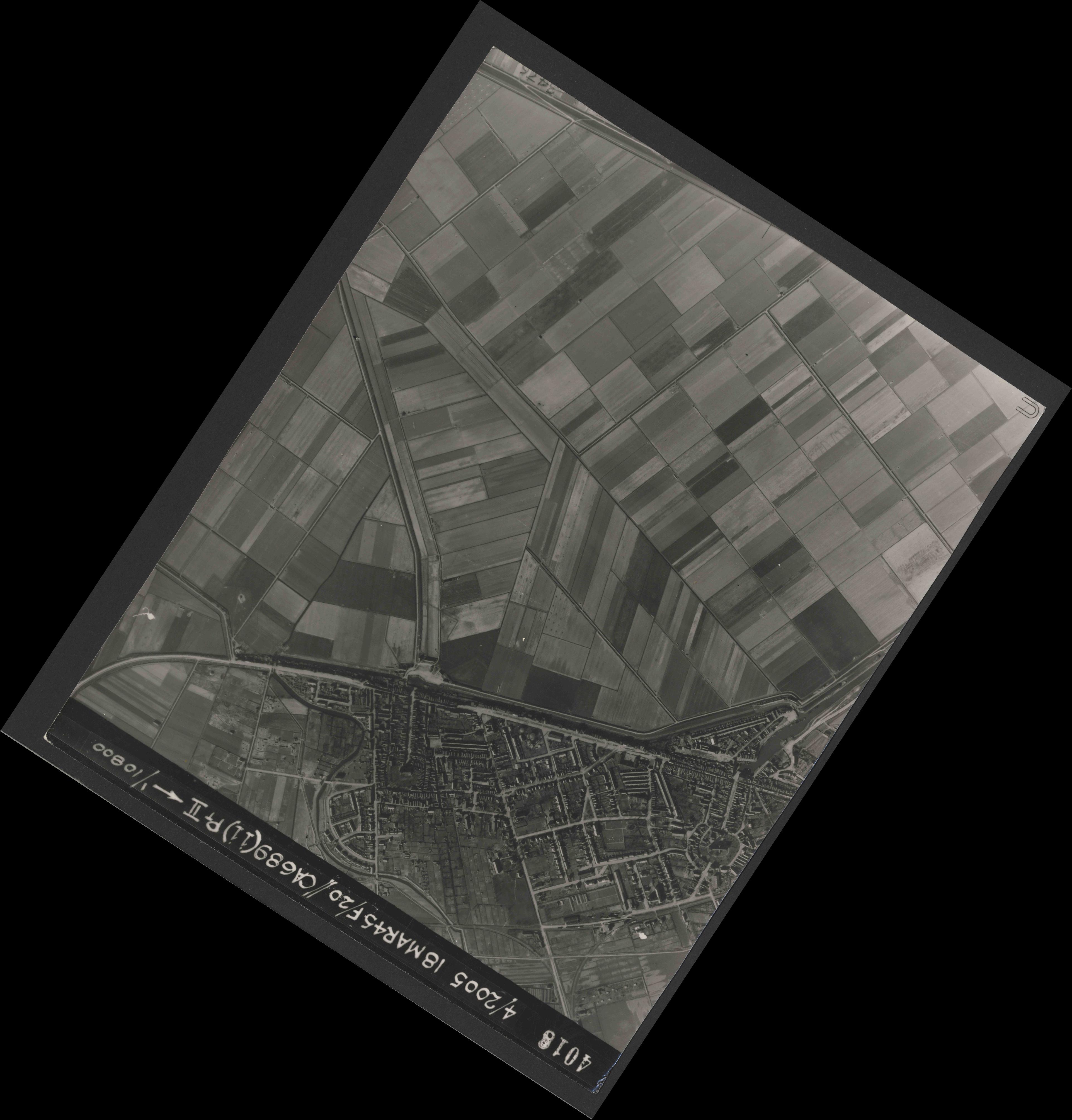 Collection RAF aerial photos 1940-1945 - flight 080, run 05, photo 4018