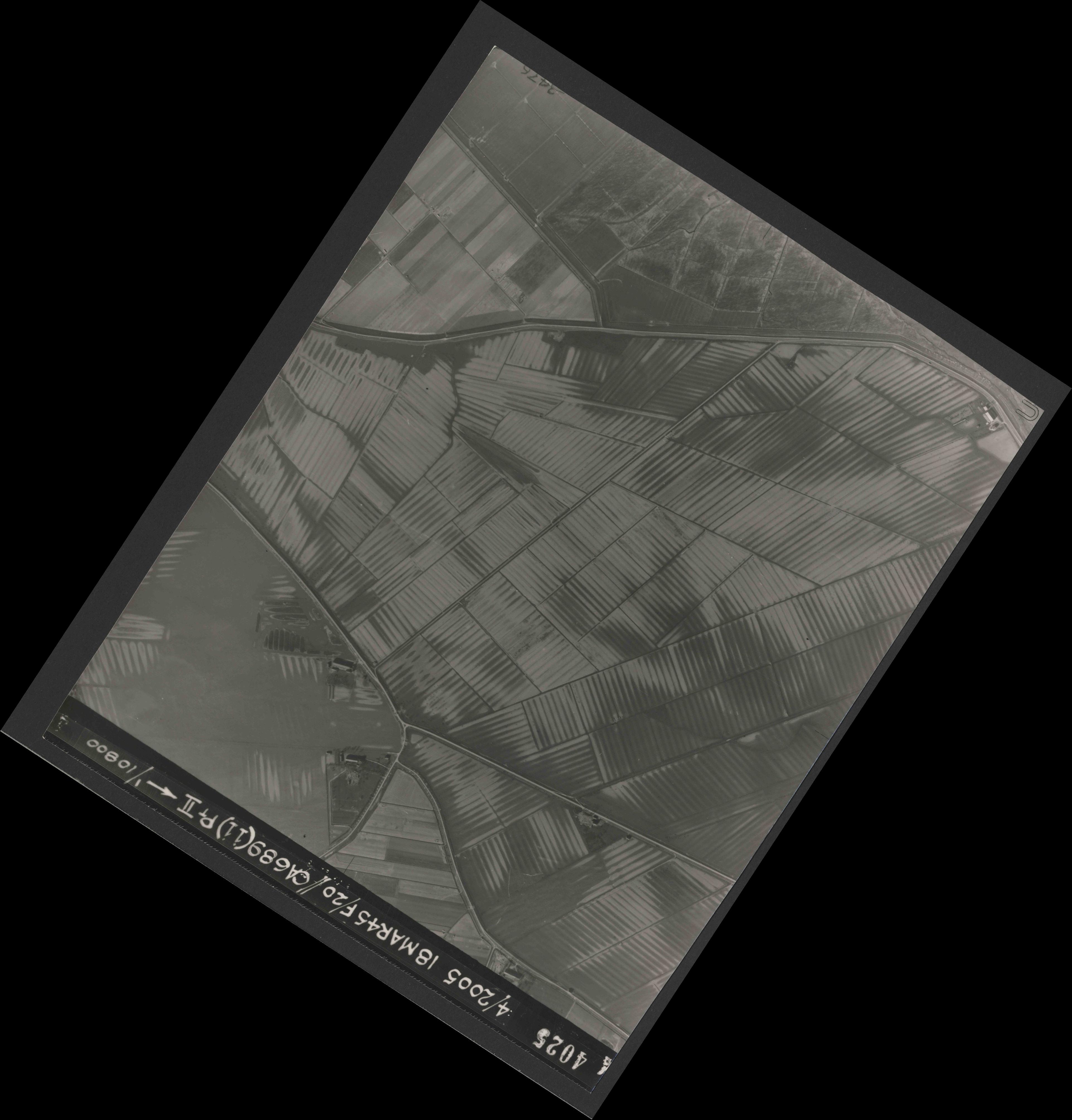Collection RAF aerial photos 1940-1945 - flight 080, run 05, photo 4025