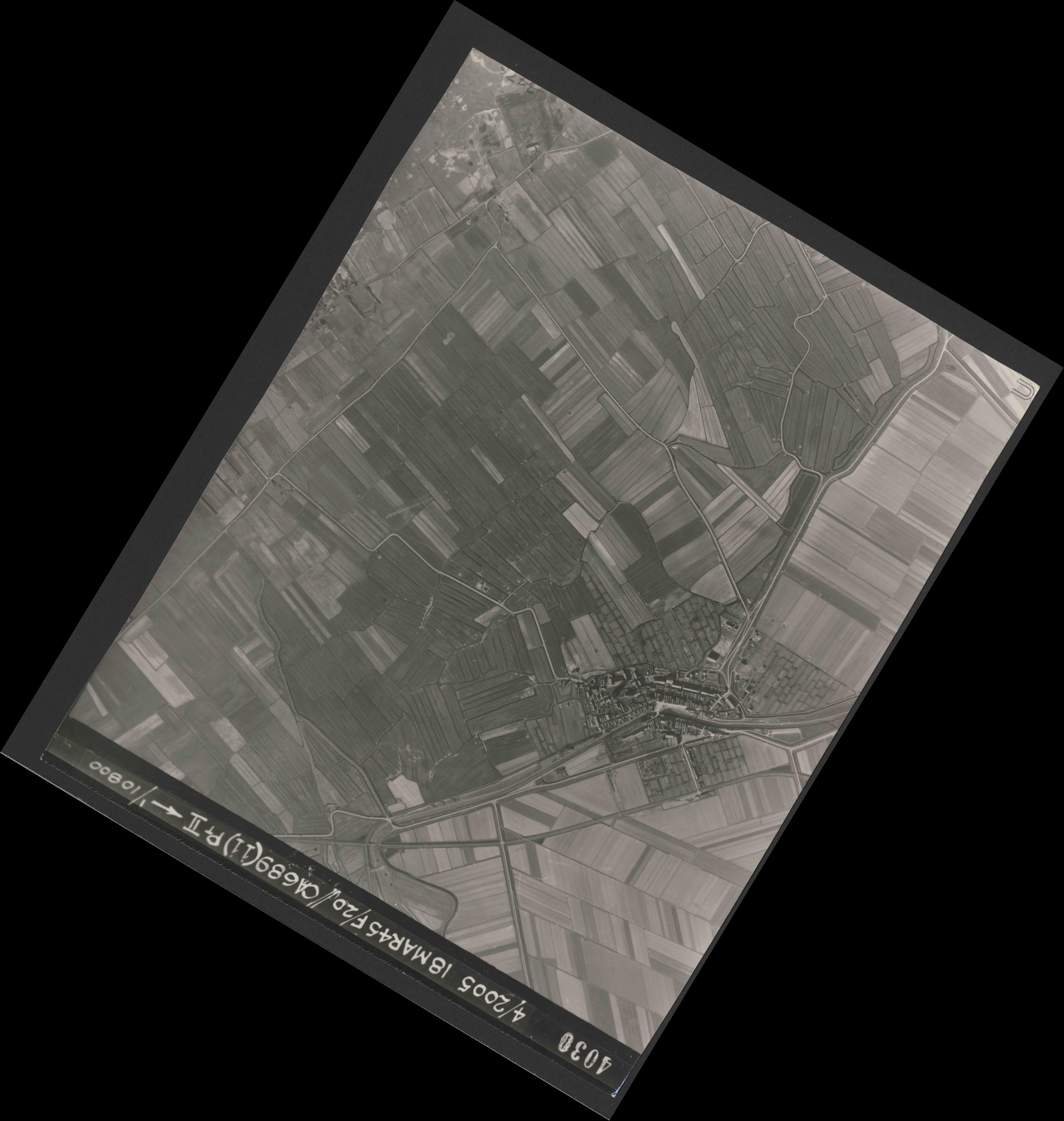 Collection RAF aerial photos 1940-1945 - flight 080, run 06, photo 4030
