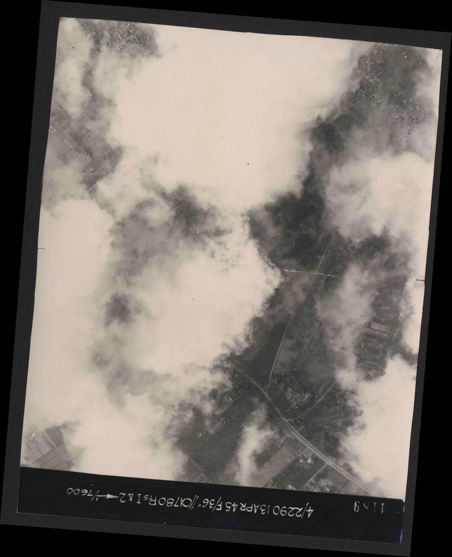 Collection RAF aerial photos 1940-1945 - flight 081, run 18, photo 4189