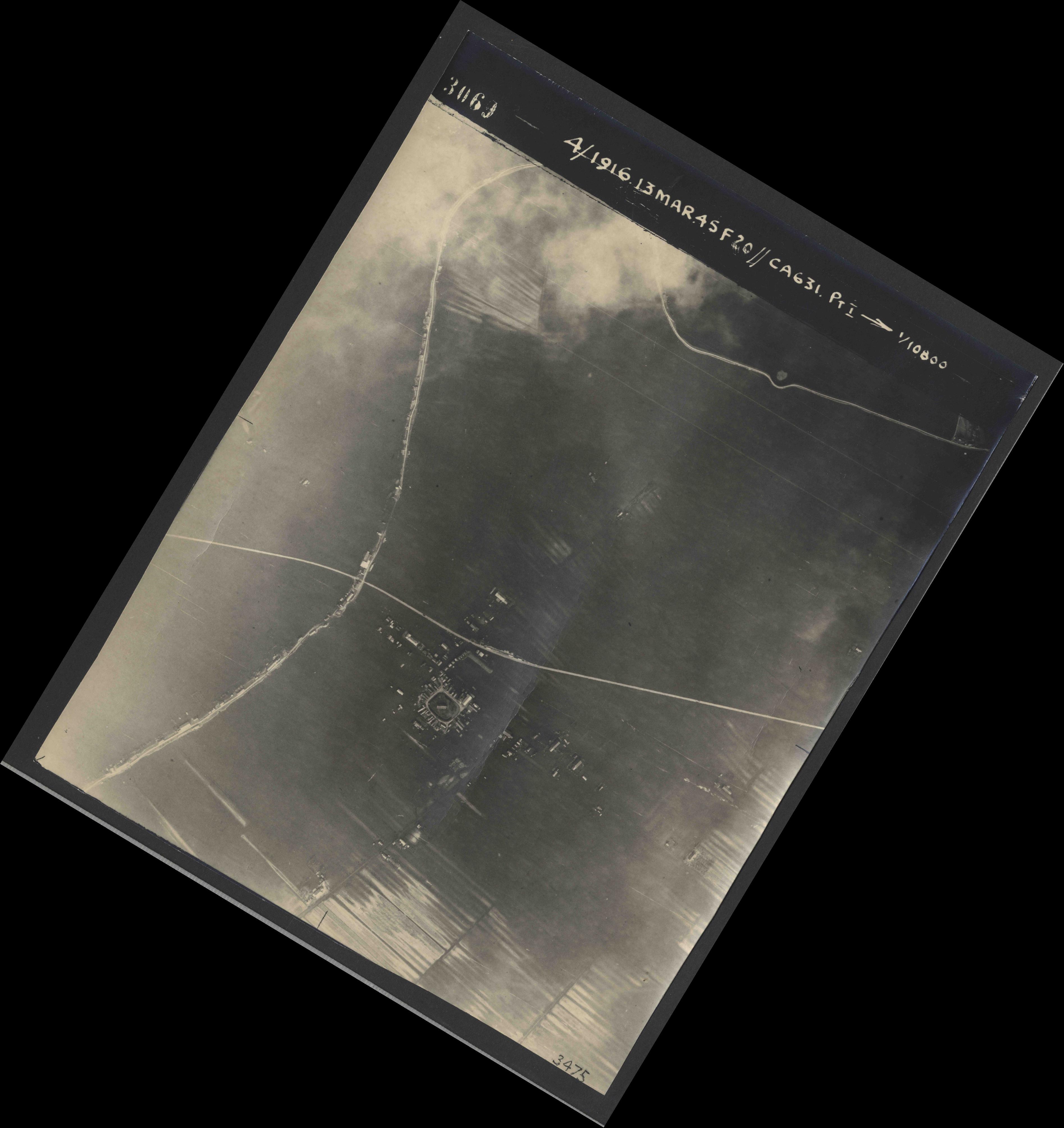 Collection RAF aerial photos 1940-1945 - flight 085, run 01, photo 3069