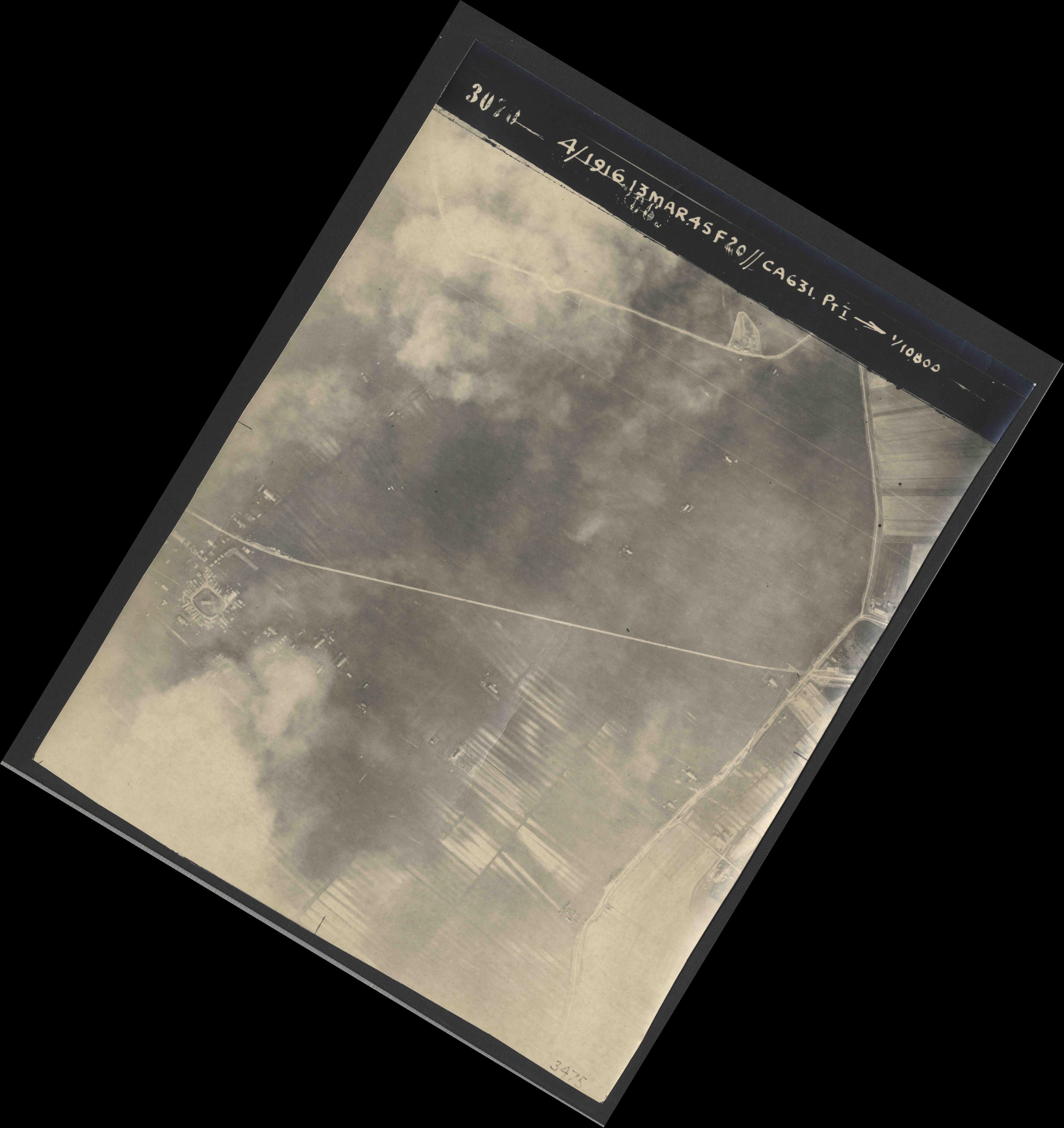 Collection RAF aerial photos 1940-1945 - flight 085, run 01, photo 3070