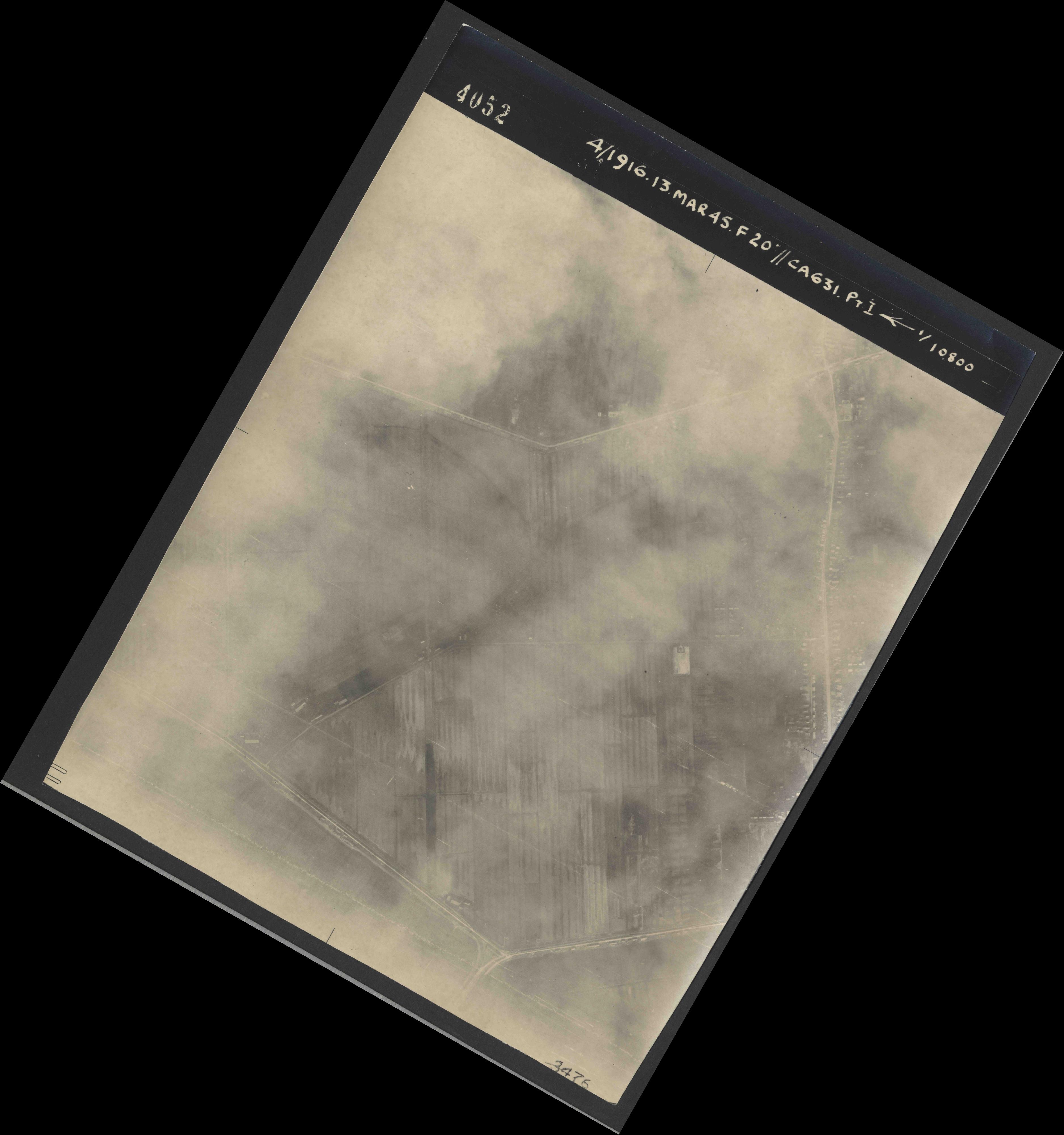 Collection RAF aerial photos 1940-1945 - flight 085, run 02, photo 4052