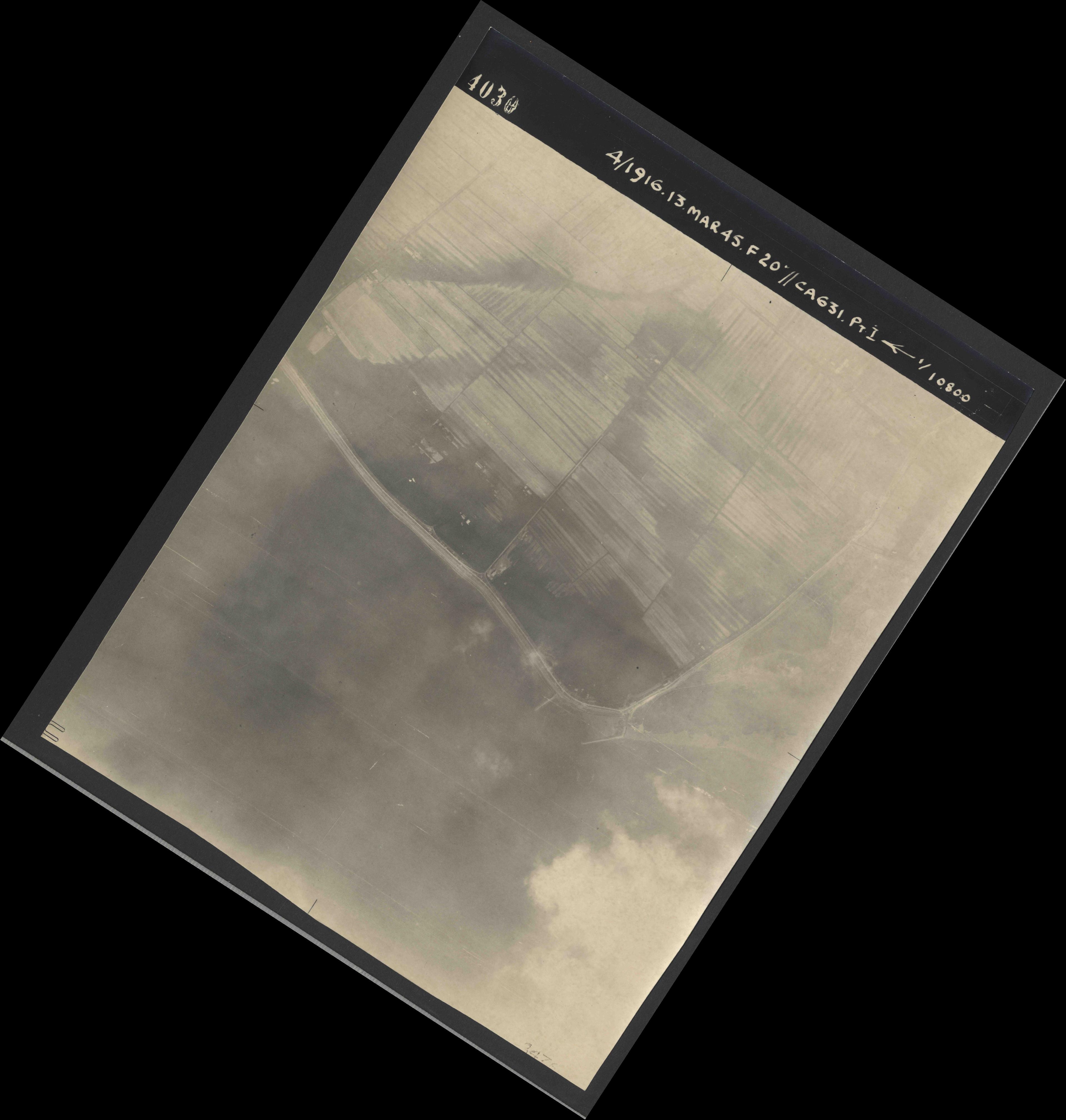 Collection RAF aerial photos 1940-1945 - flight 085, run 03, photo 4030