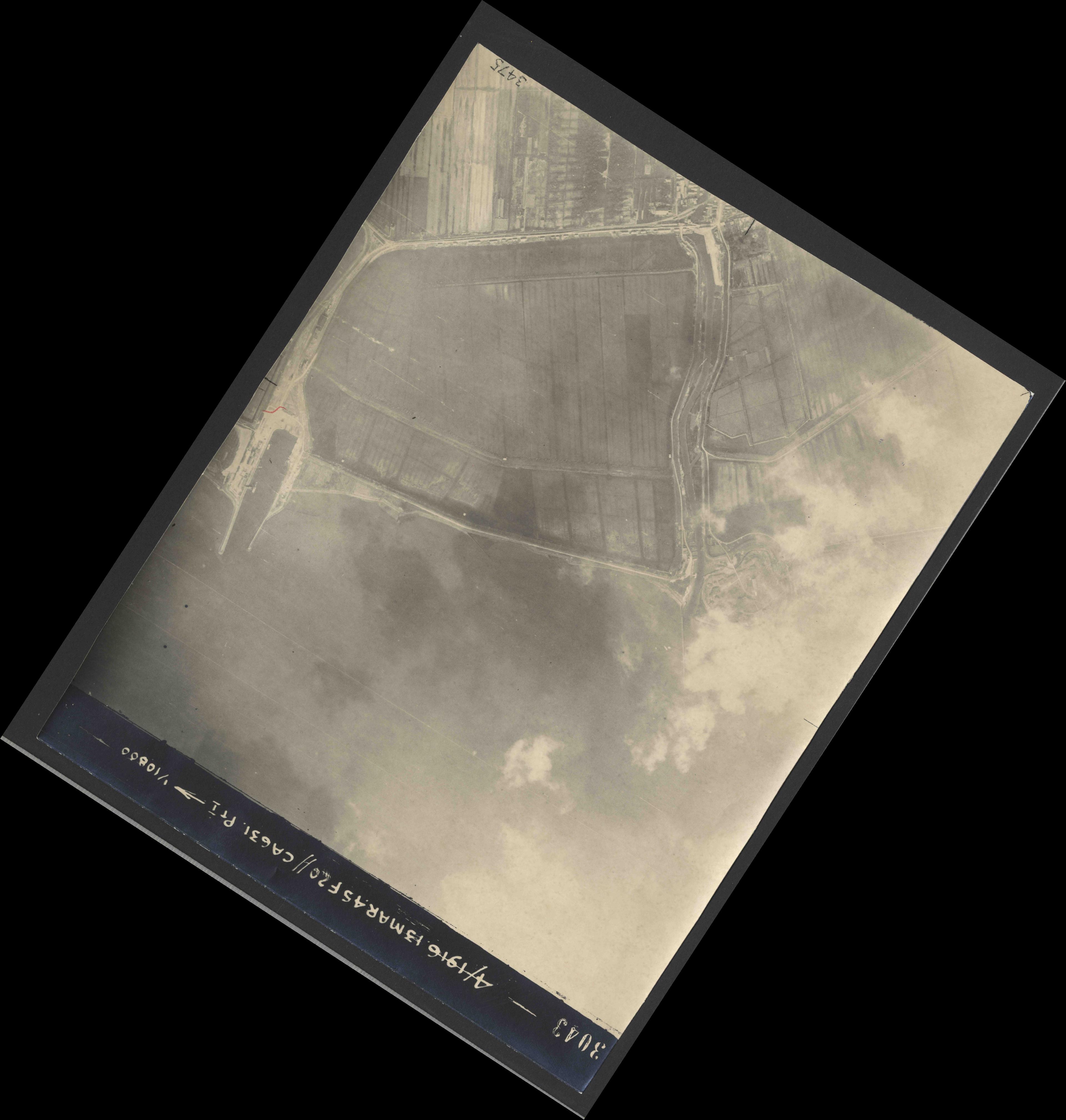 Collection RAF aerial photos 1940-1945 - flight 085, run 05, photo 3043