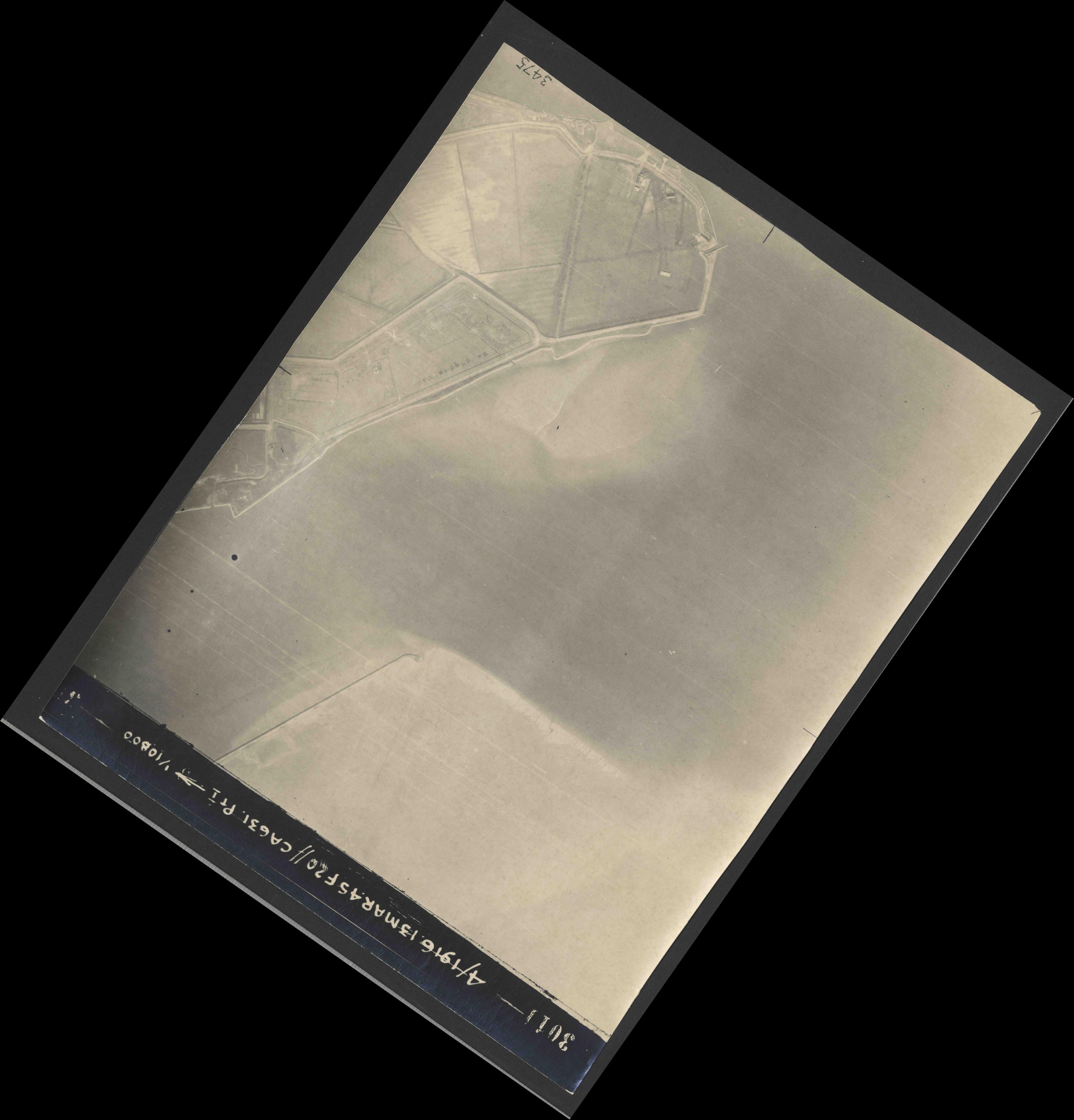 Collection RAF aerial photos 1940-1945 - flight 085, run 06, photo 3011