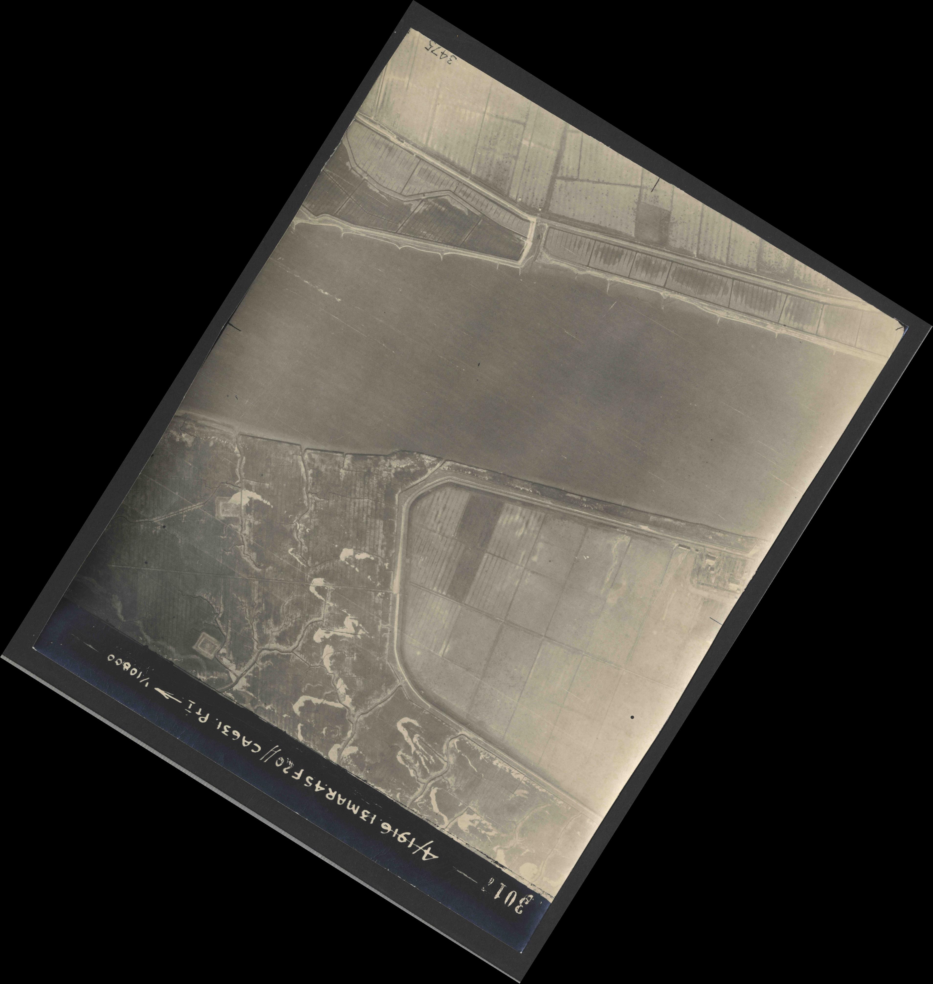 Collection RAF aerial photos 1940-1945 - flight 085, run 06, photo 3017