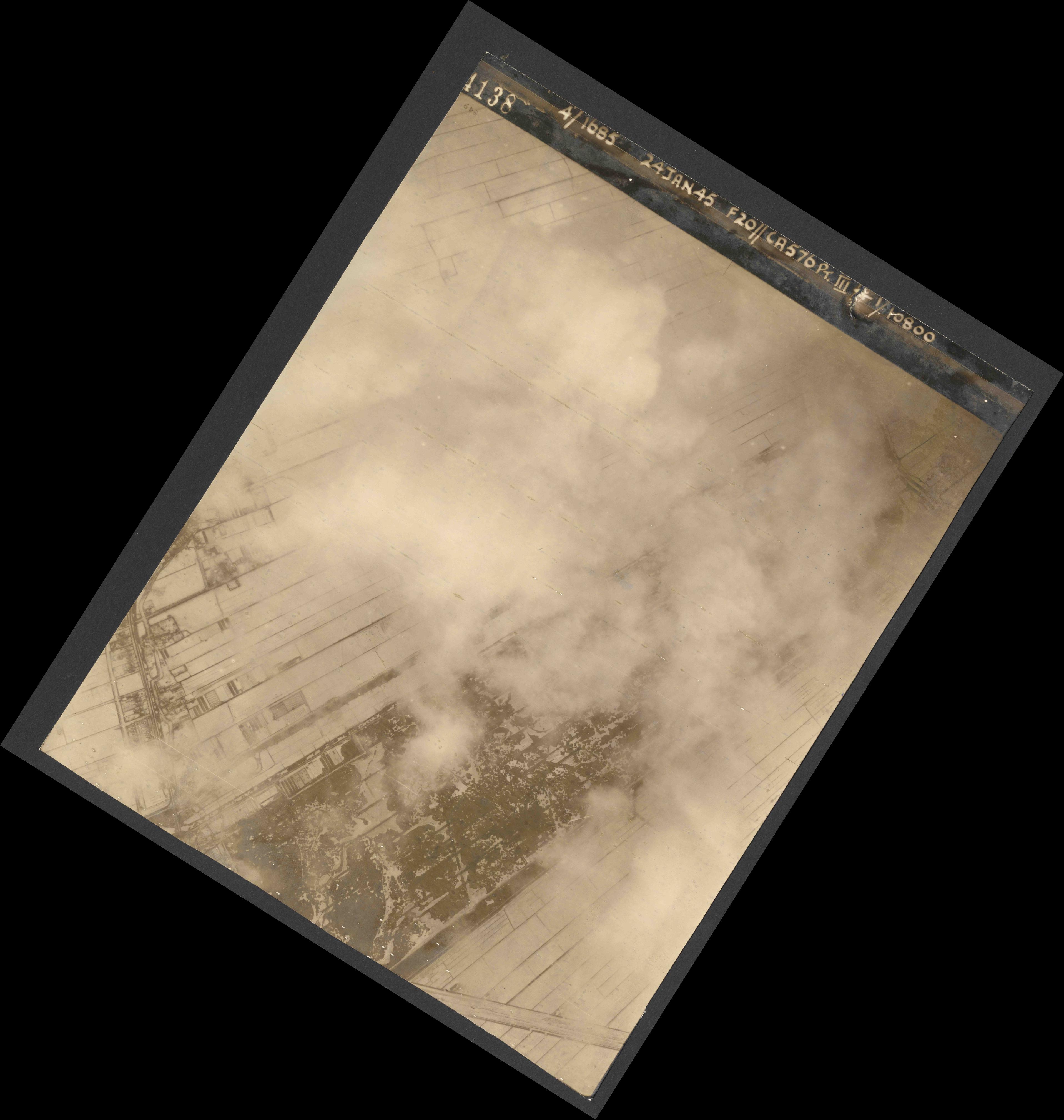 Collection RAF aerial photos 1940-1945 - flight 086, run 01, photo 4138