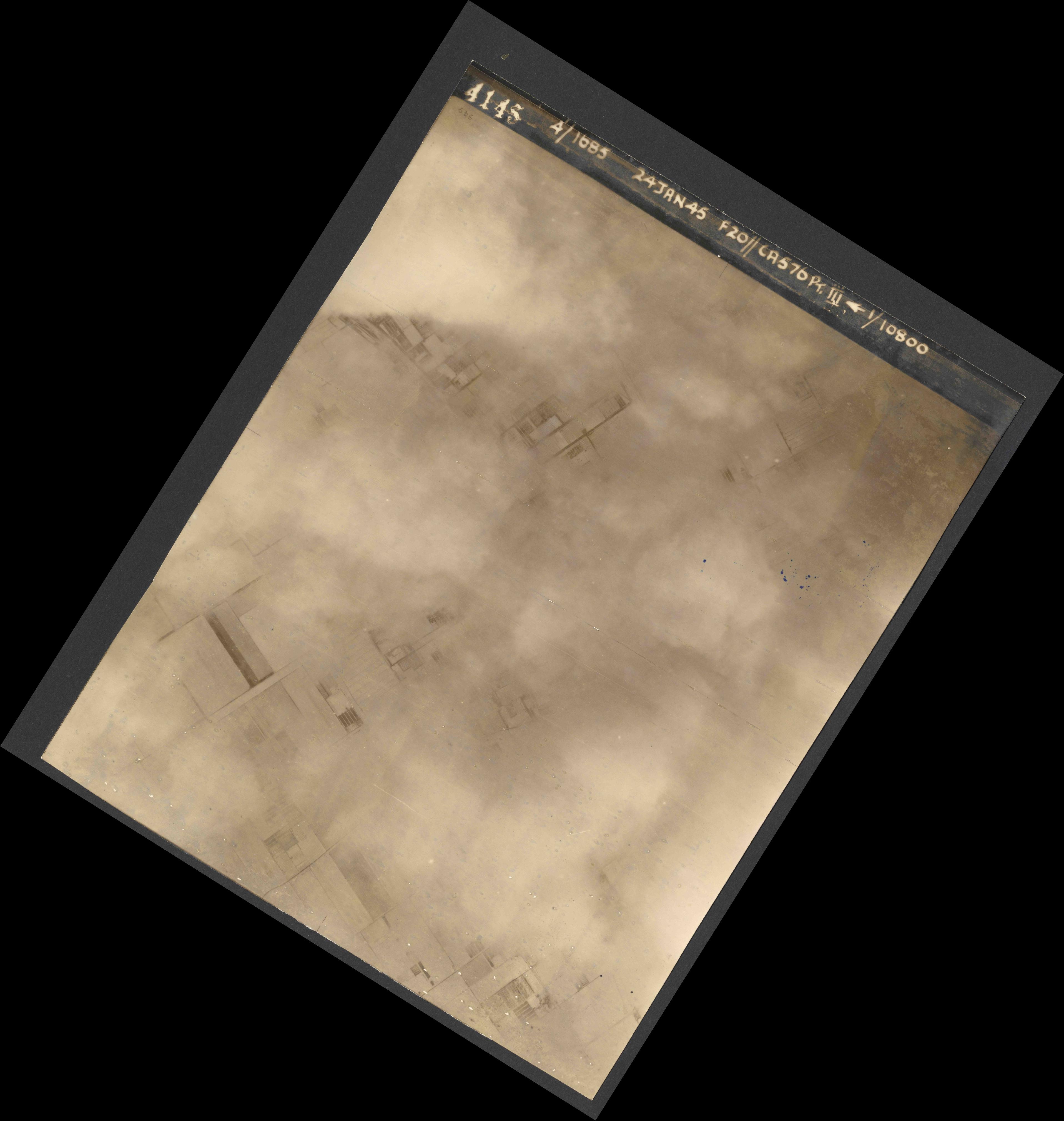 Collection RAF aerial photos 1940-1945 - flight 086, run 01, photo 4145