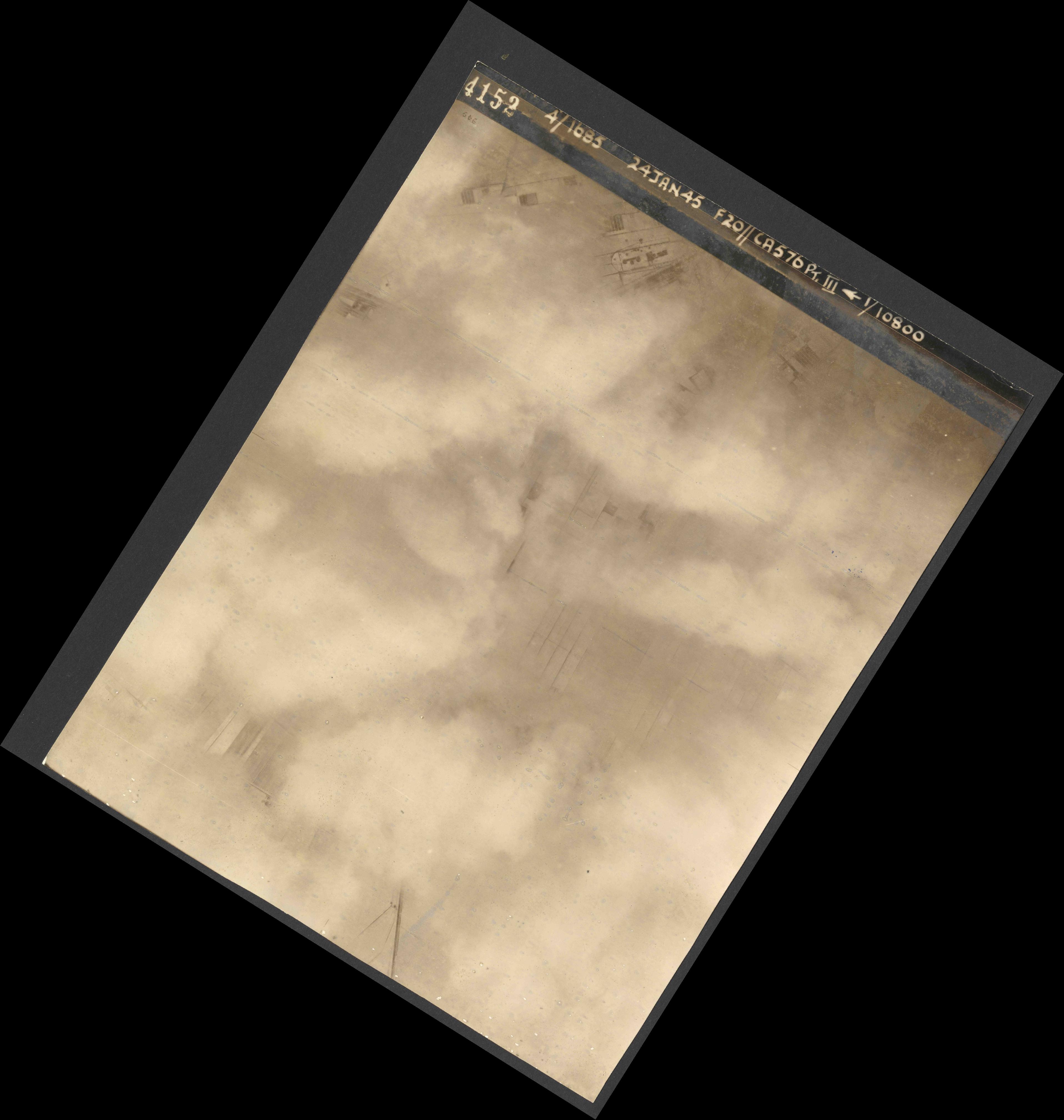 Collection RAF aerial photos 1940-1945 - flight 086, run 01, photo 4152
