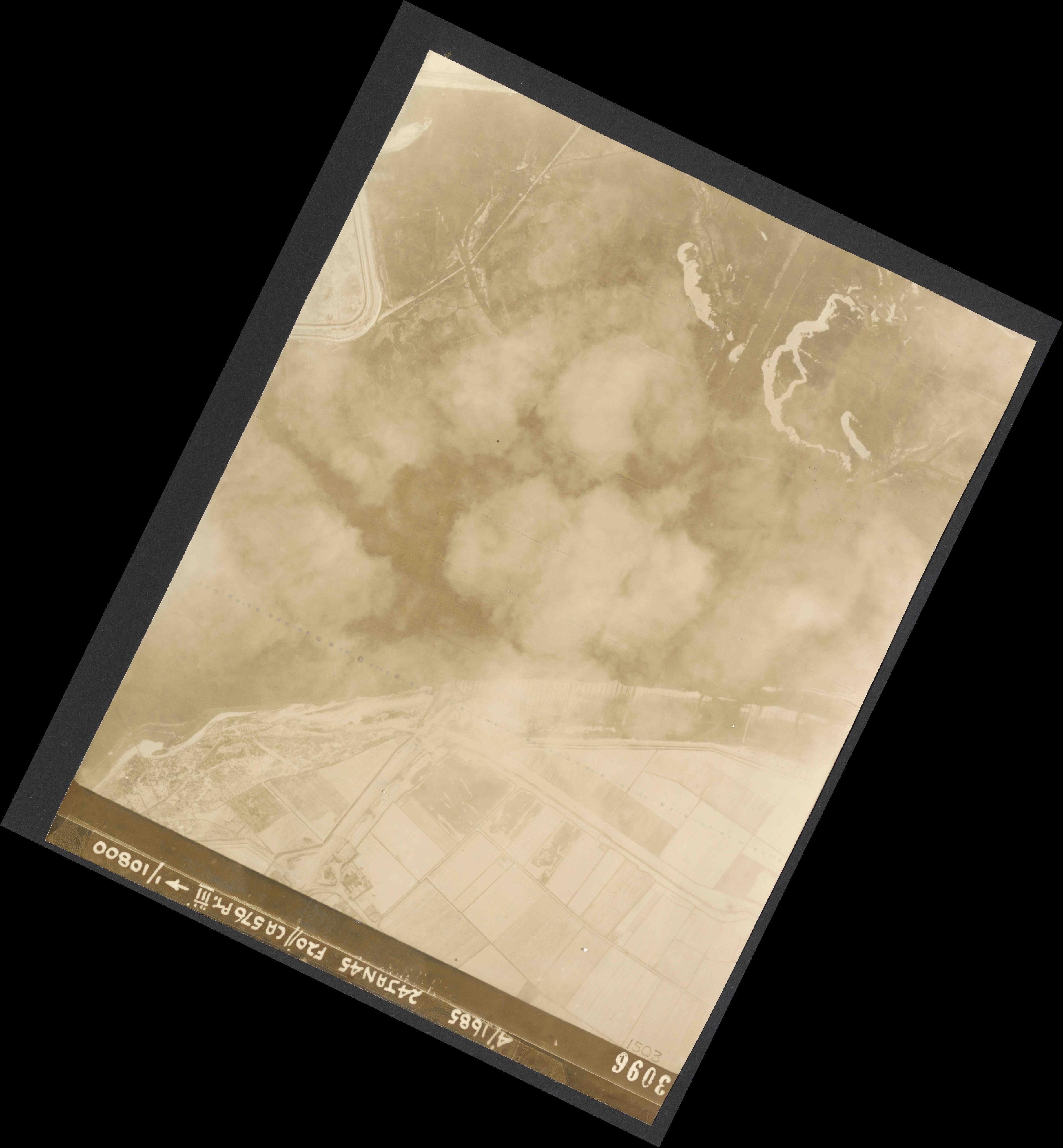 Collection RAF aerial photos 1940-1945 - flight 086, run 04, photo 3096