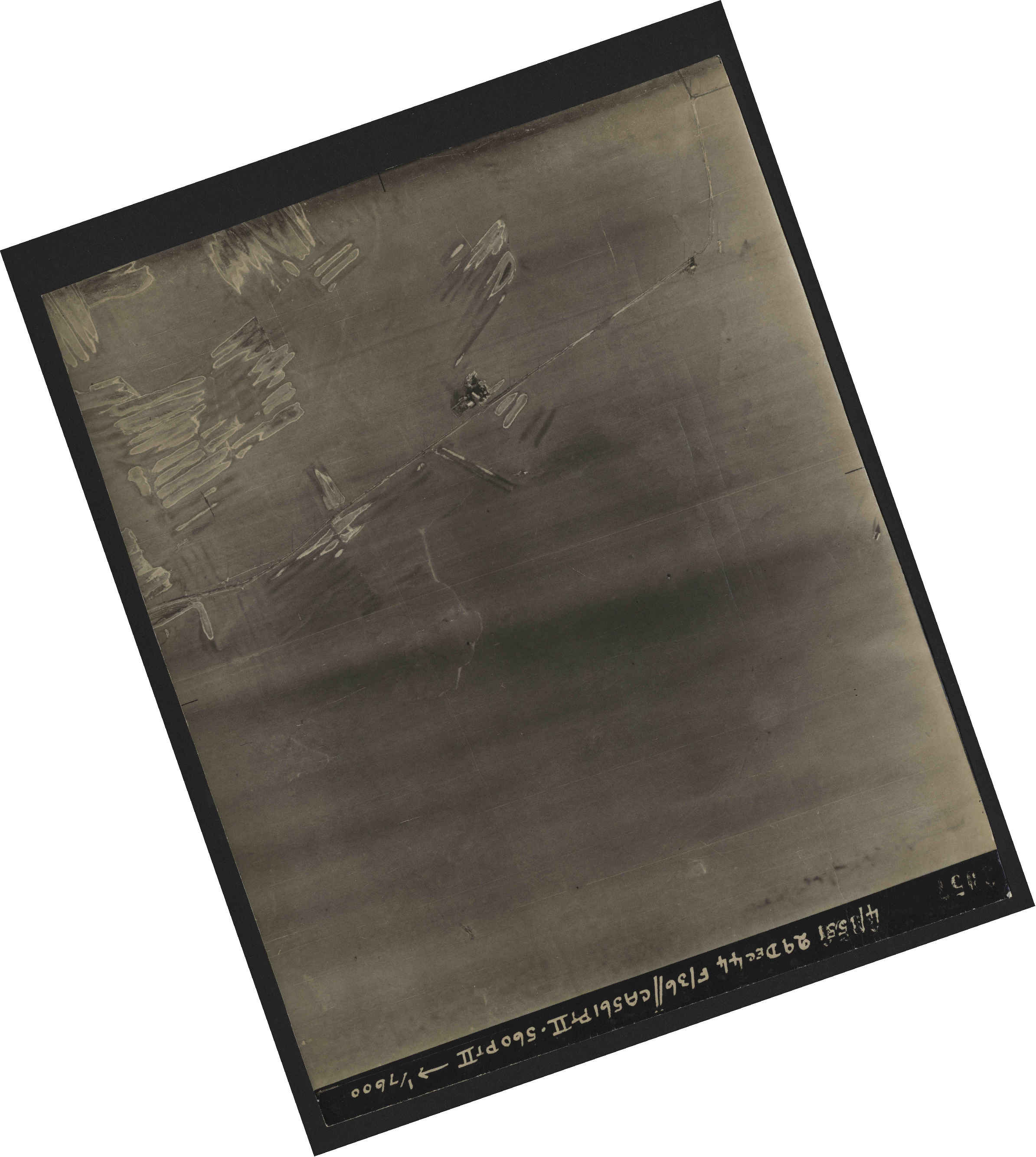 Collection RAF aerial photos 1940-1945 - flight 092, run 11, photo 3057