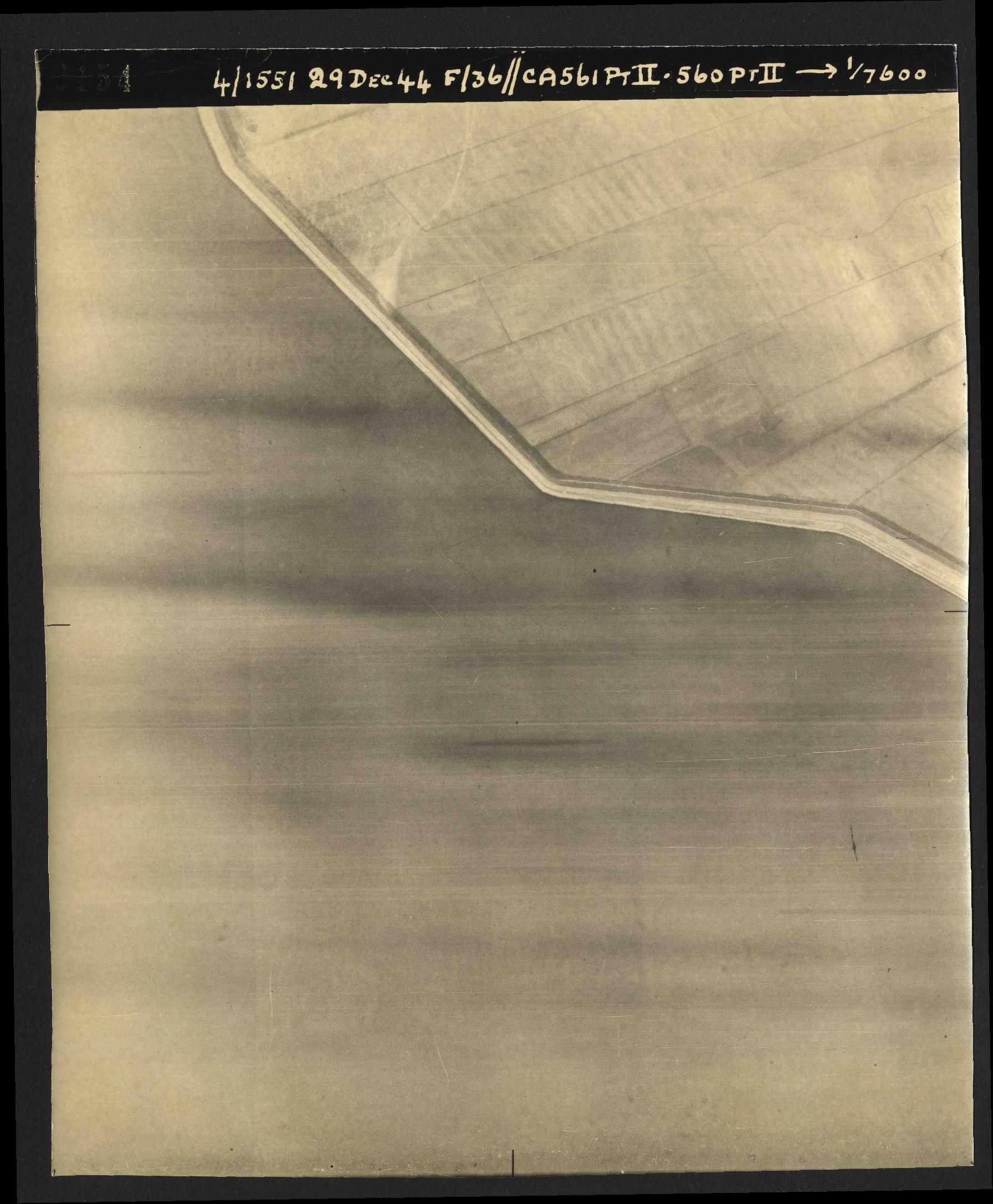 Collection RAF aerial photos 1940-1945 - flight 092, run 14, photo 3154