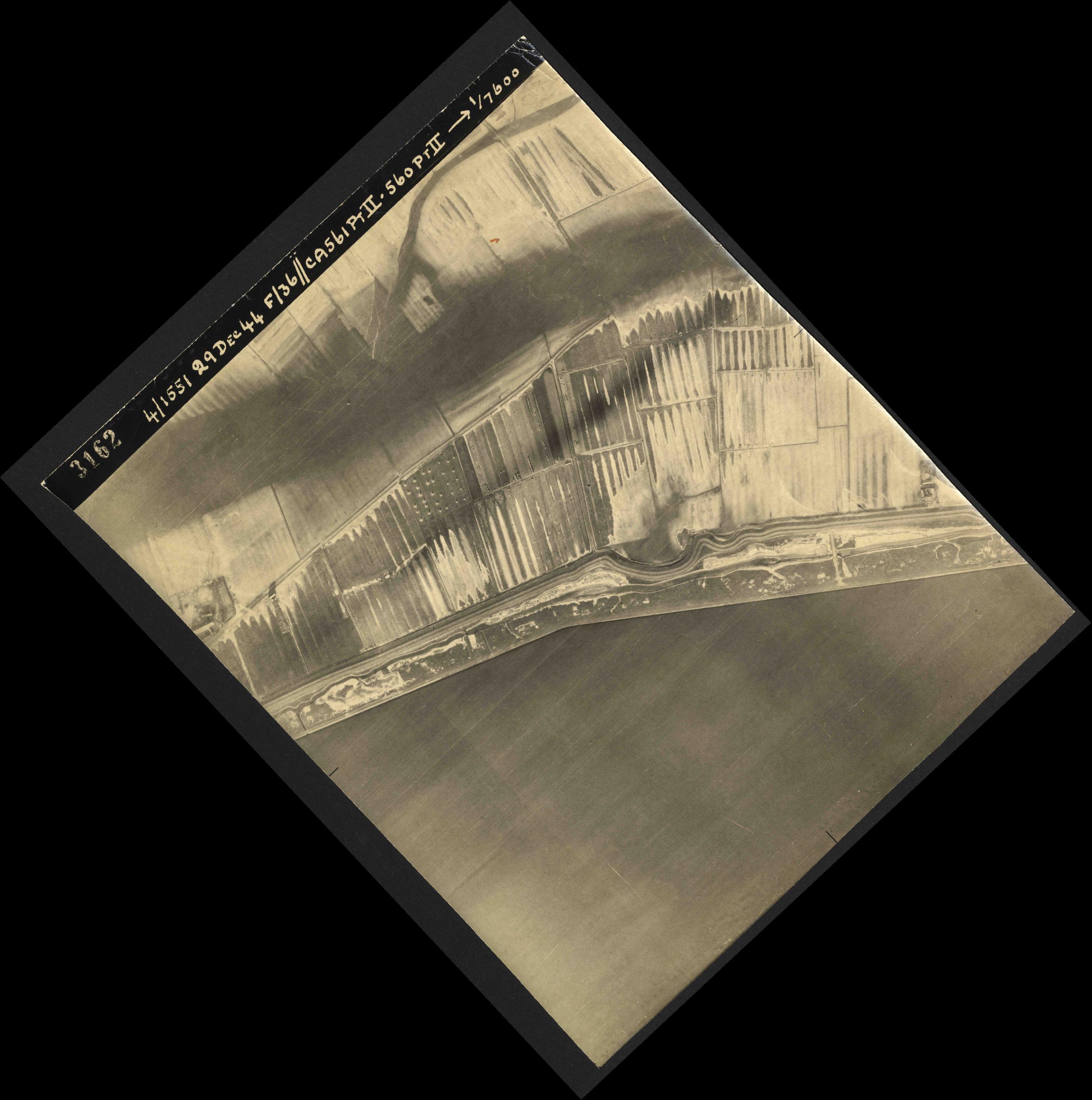 Collection RAF aerial photos 1940-1945 - flight 092, run 14, photo 3162
