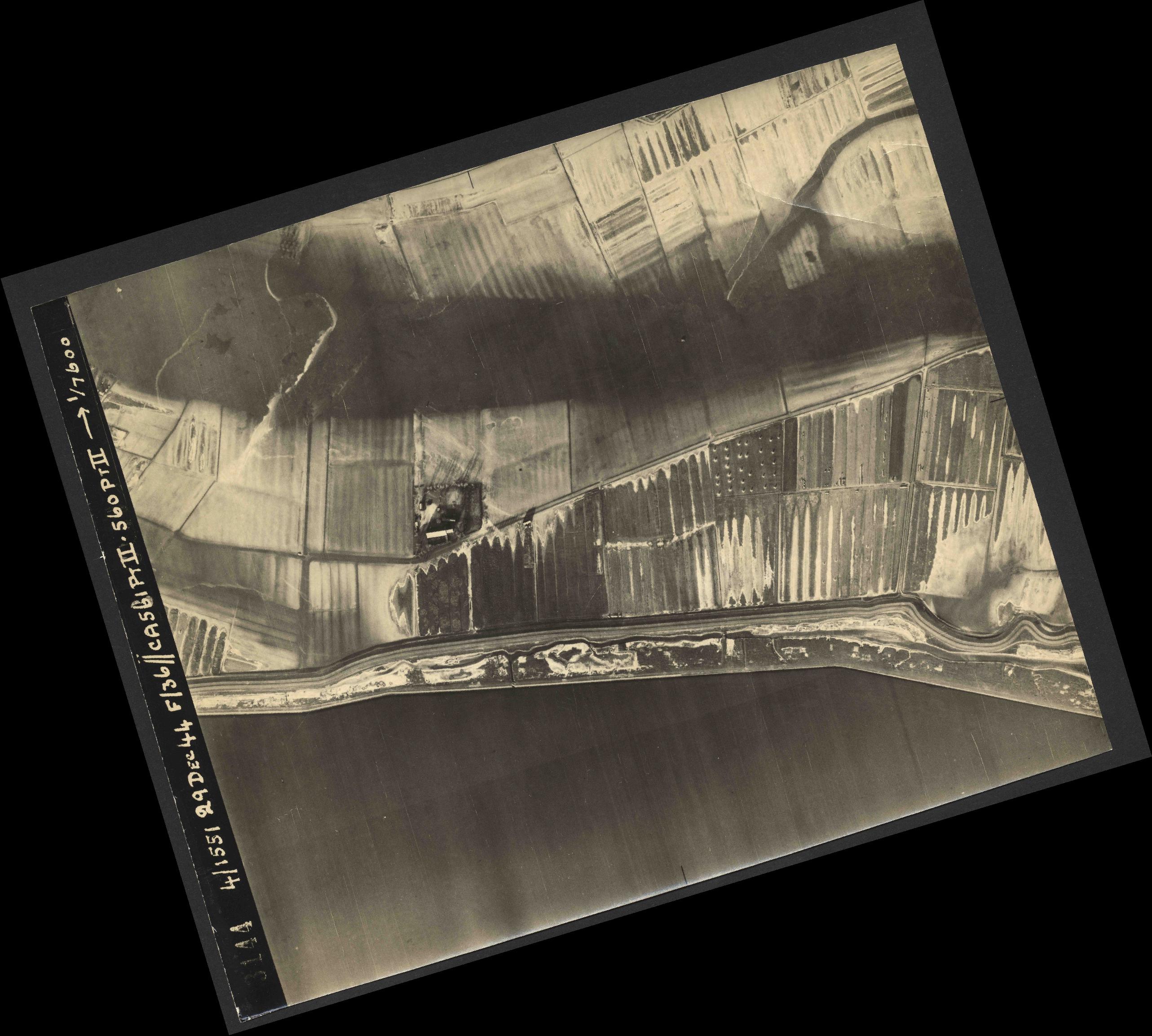 Collection RAF aerial photos 1940-1945 - flight 092, run 15, photo 3144