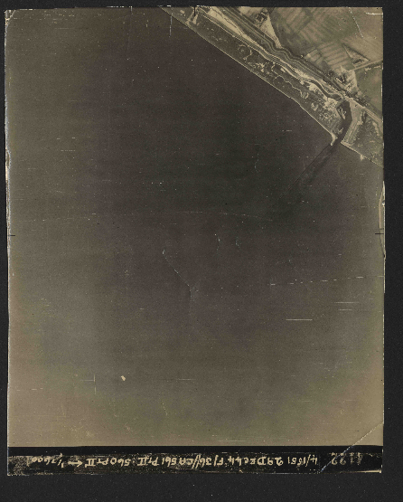 Collection RAF aerial photos 1940-1945 - flight 092, run 17, photo 4122