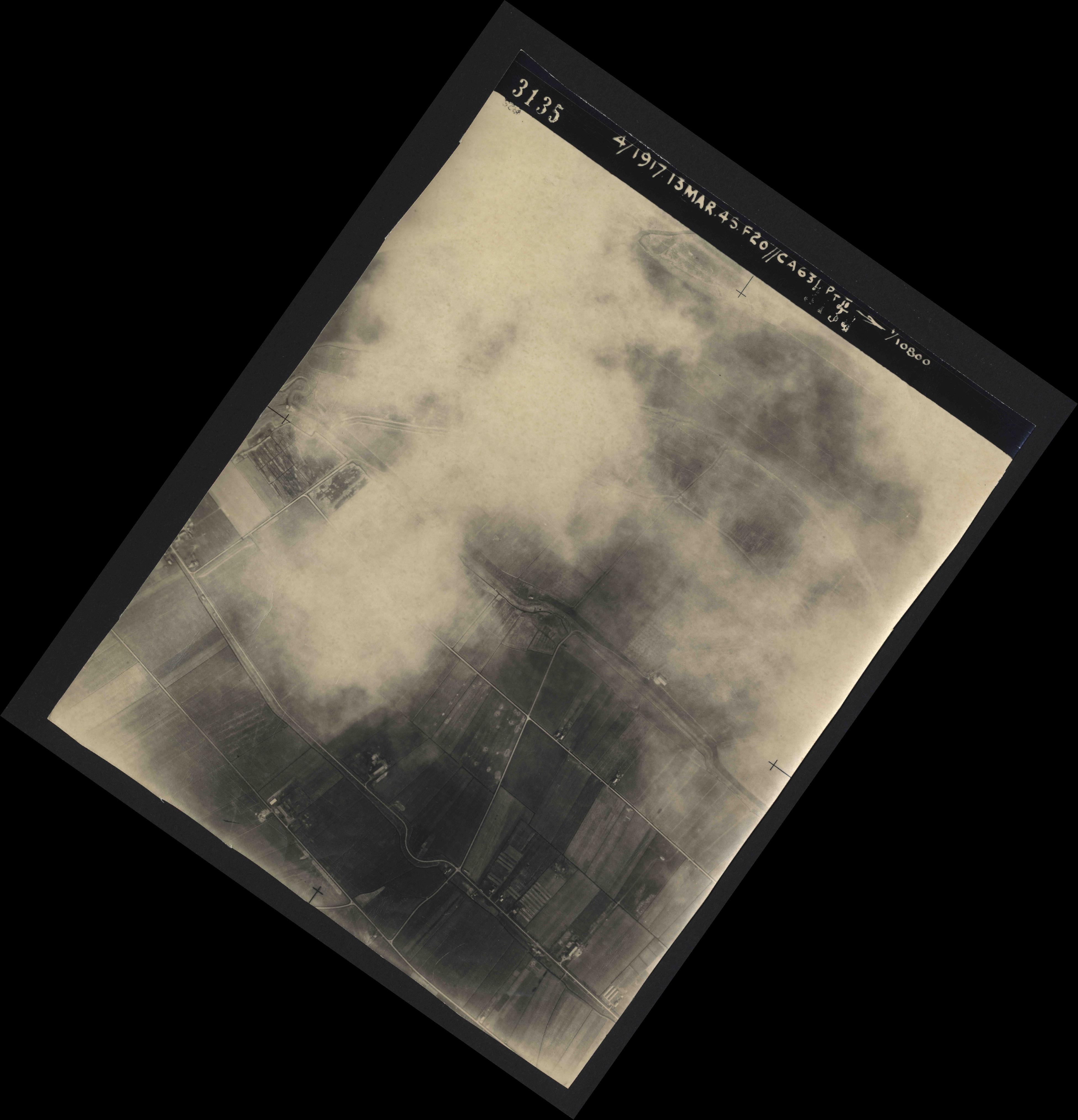 Collection RAF aerial photos 1940-1945 - flight 093, run 01, photo 3135