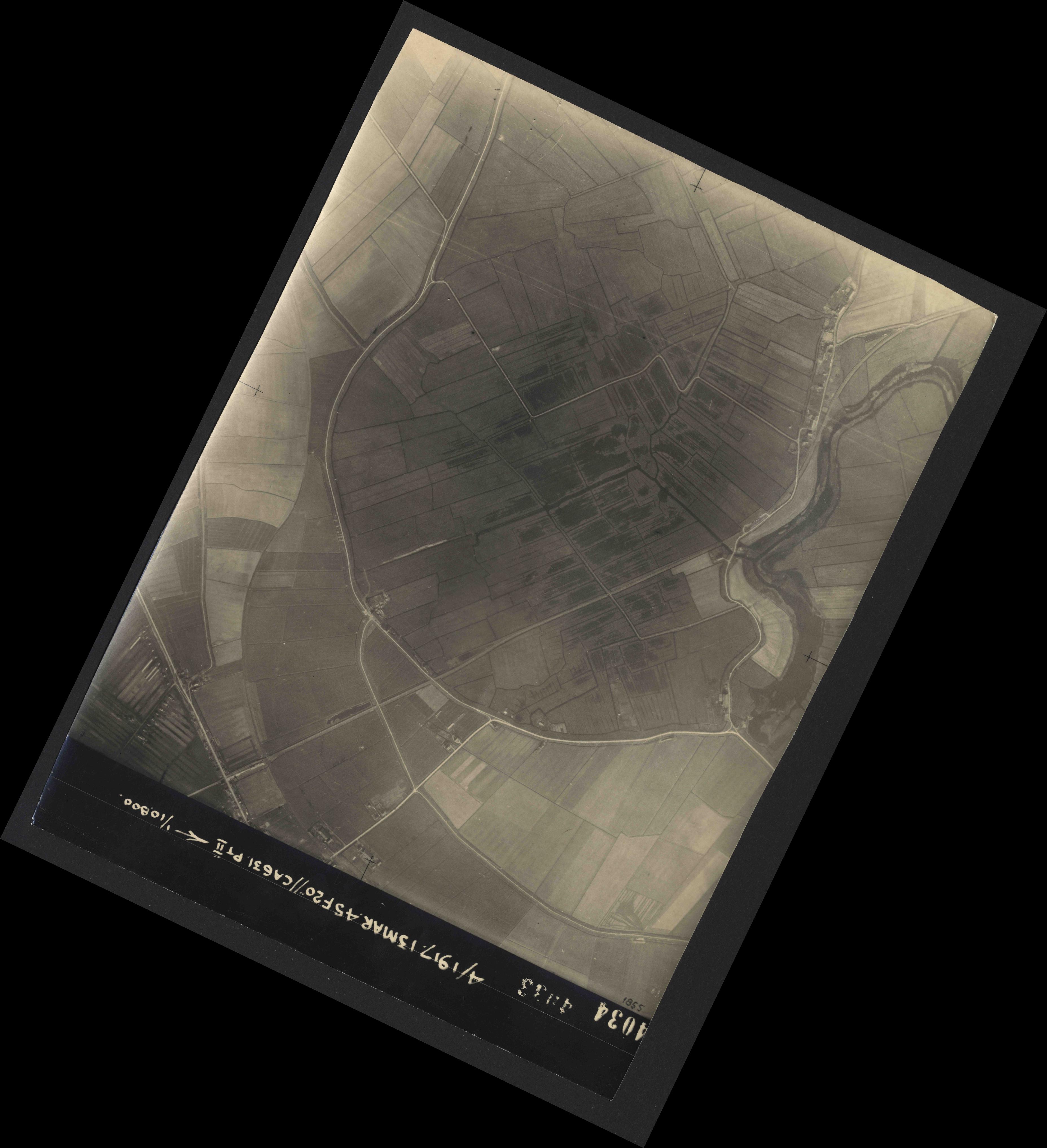 Collection RAF aerial photos 1940-1945 - flight 093, run 07, photo 4034