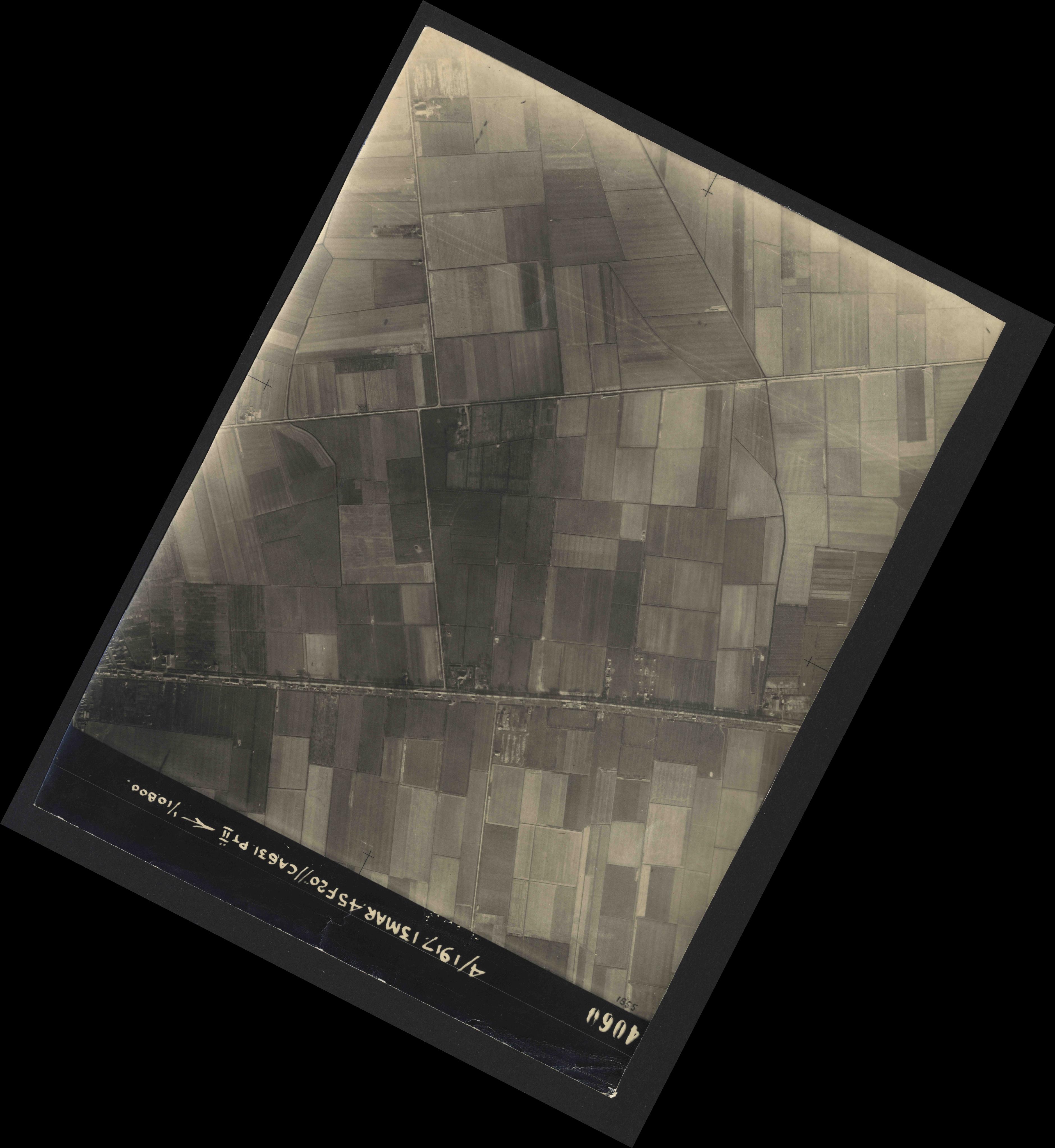 Collection RAF aerial photos 1940-1945 - flight 093, run 07, photo 4060
