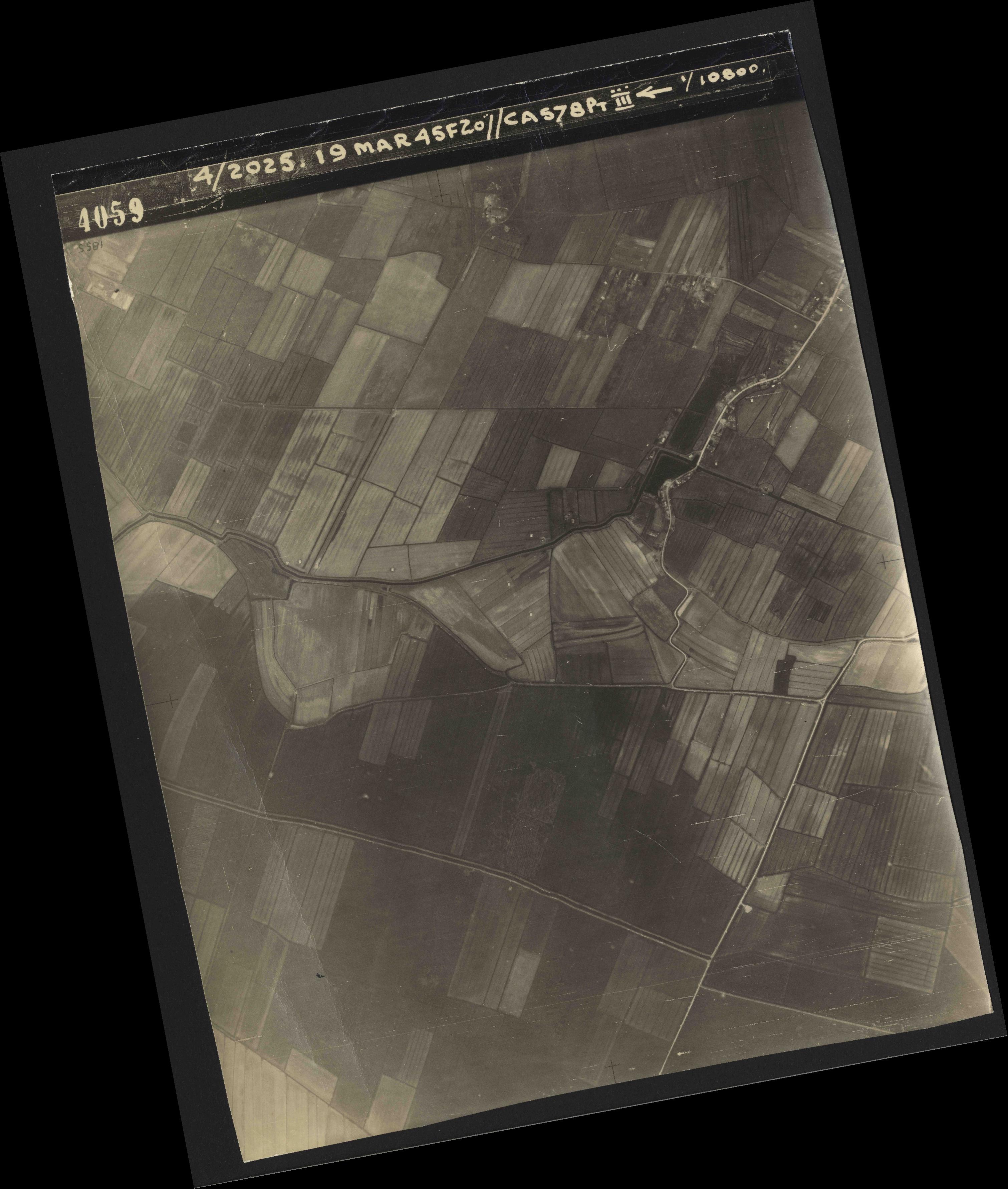 Collection RAF aerial photos 1940-1945 - flight 094, run 07, photo 4059