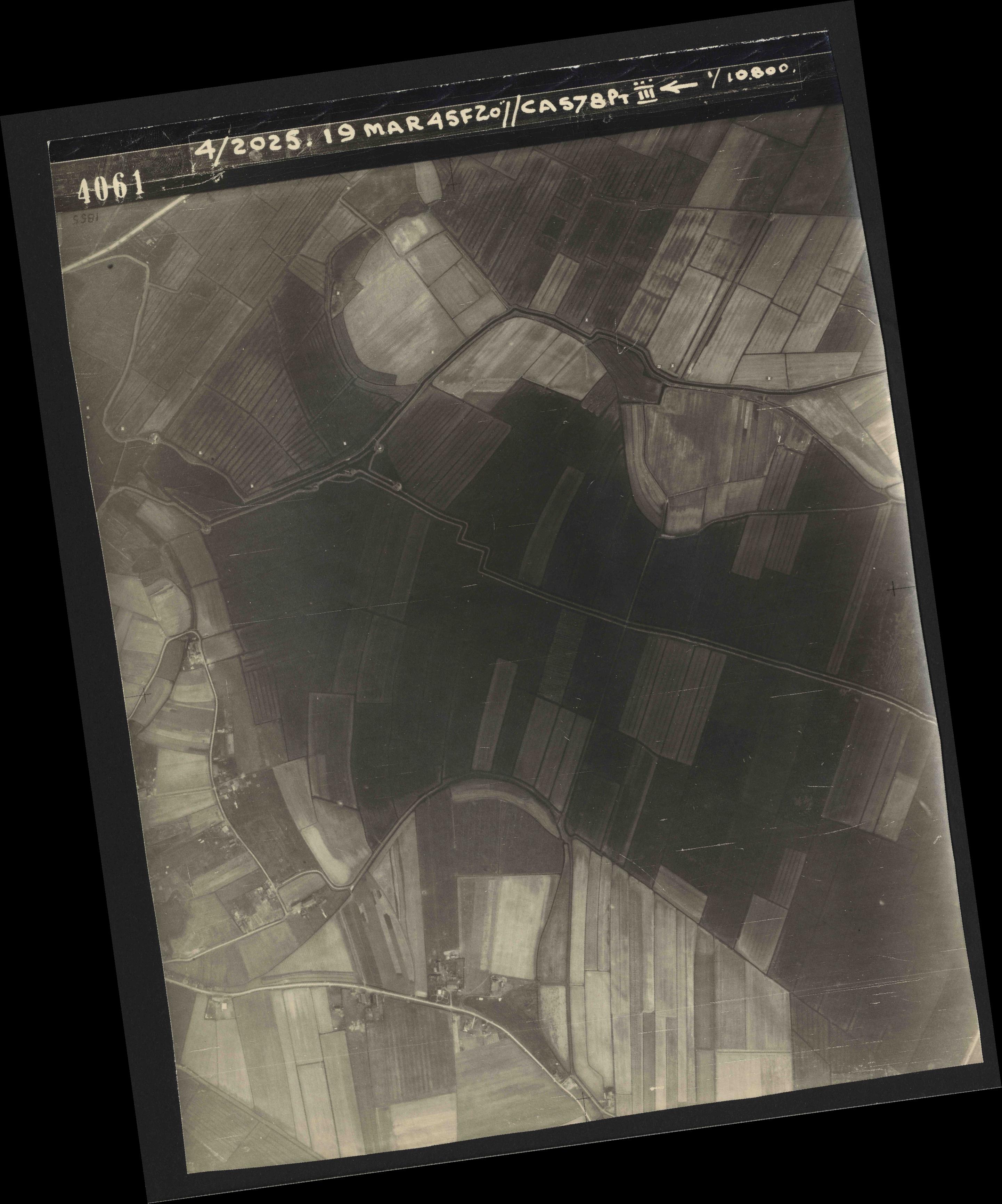 Collection RAF aerial photos 1940-1945 - flight 094, run 07, photo 4061