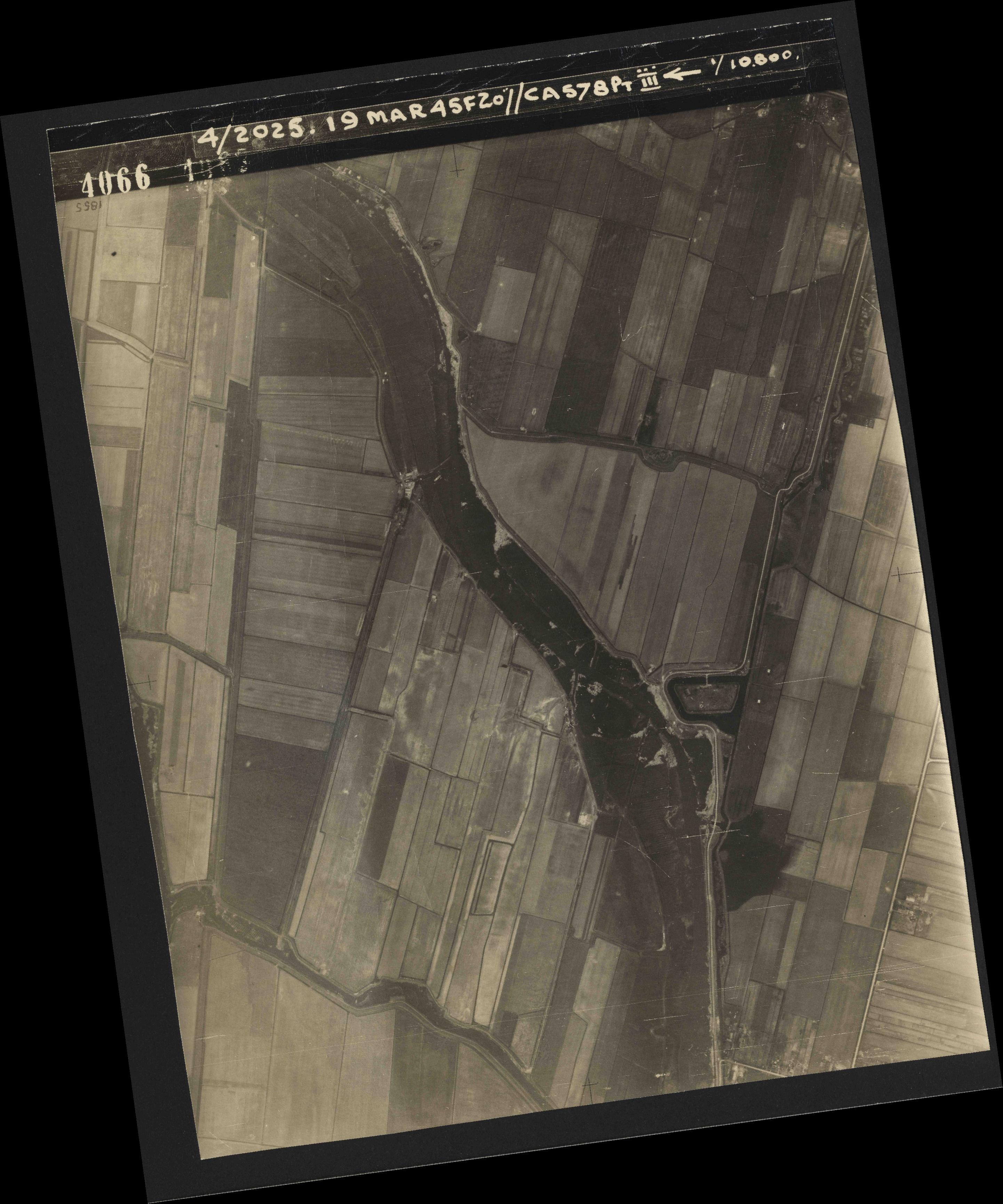 Collection RAF aerial photos 1940-1945 - flight 094, run 07, photo 4066
